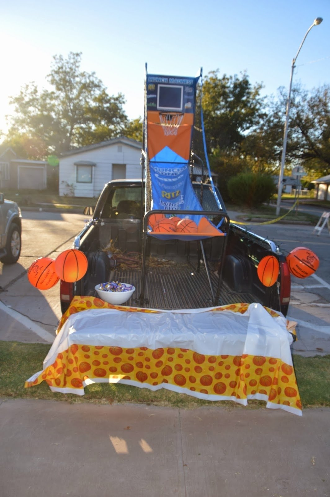 10 Awesome Trunk Or Treat Ideas For Trucks shine like stars trunk or treat 2013