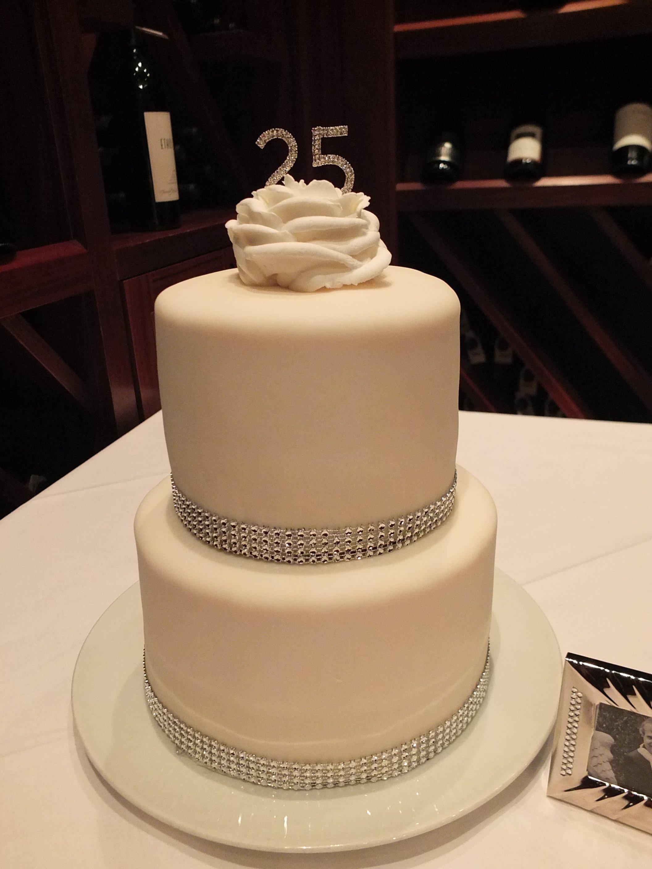 10 Wonderful 25 Wedding Anniversary Party Ideas silver wedding anniversary party dinner ideas 1 2020