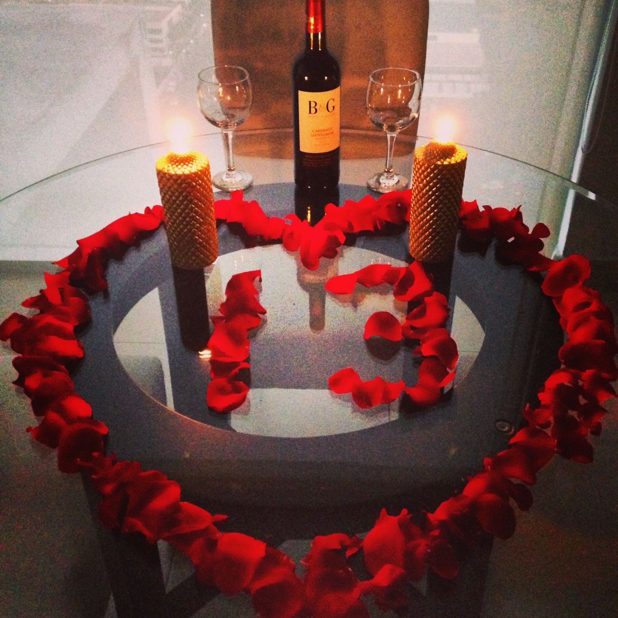 10 Stylish Ideas For A Romantic Night simple and cute romantic dinner for him anniversary