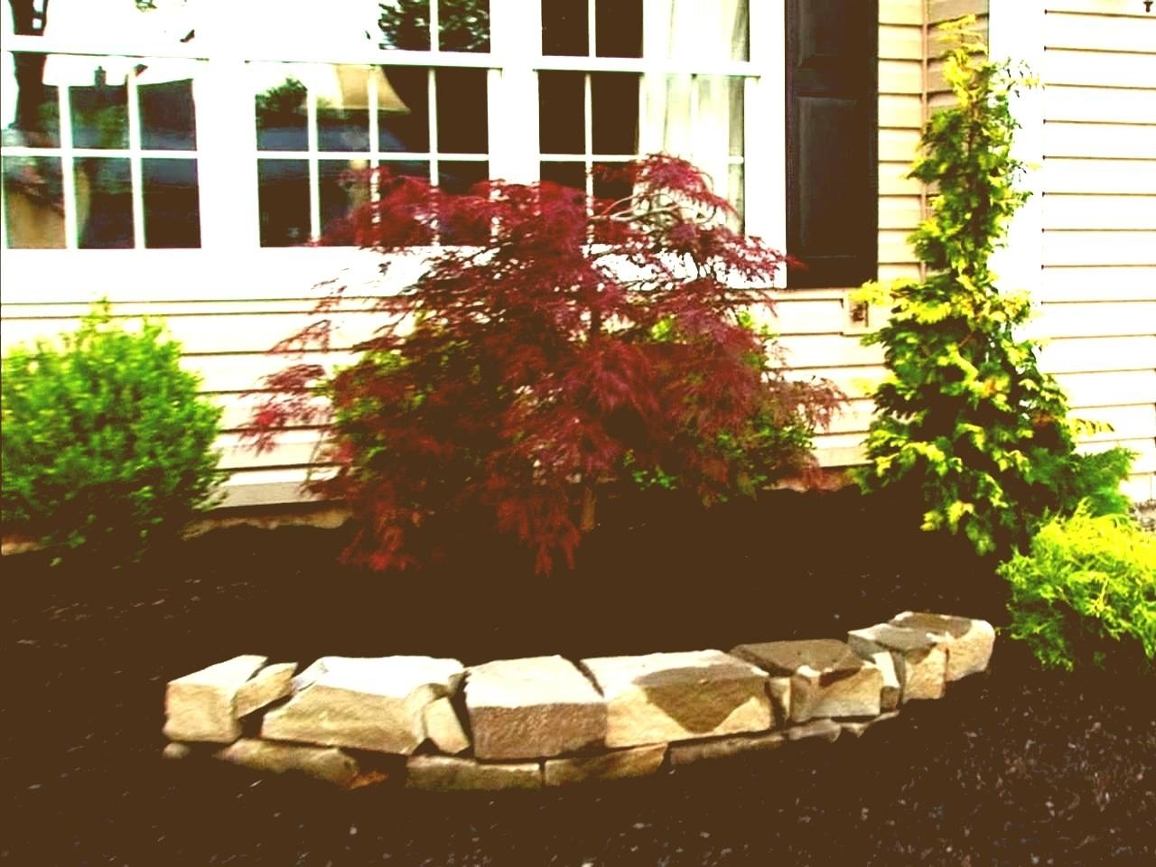10 Stylish Simple Front Yard Landscaping Ideas On A Budget simple front yard landscaping ideas townhouse patio on a budget uk
