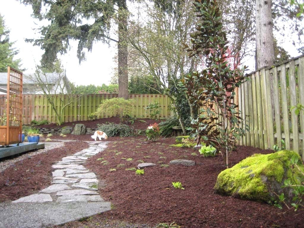 10 Stunning Backyard Landscaping Ideas For Dogs small backyard landscaping ideas dogs the garden inspirations 2020