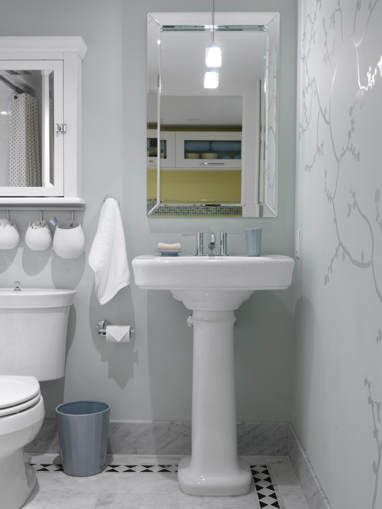 10 Attractive Small Bathroom Decorating Ideas Pictures %name
