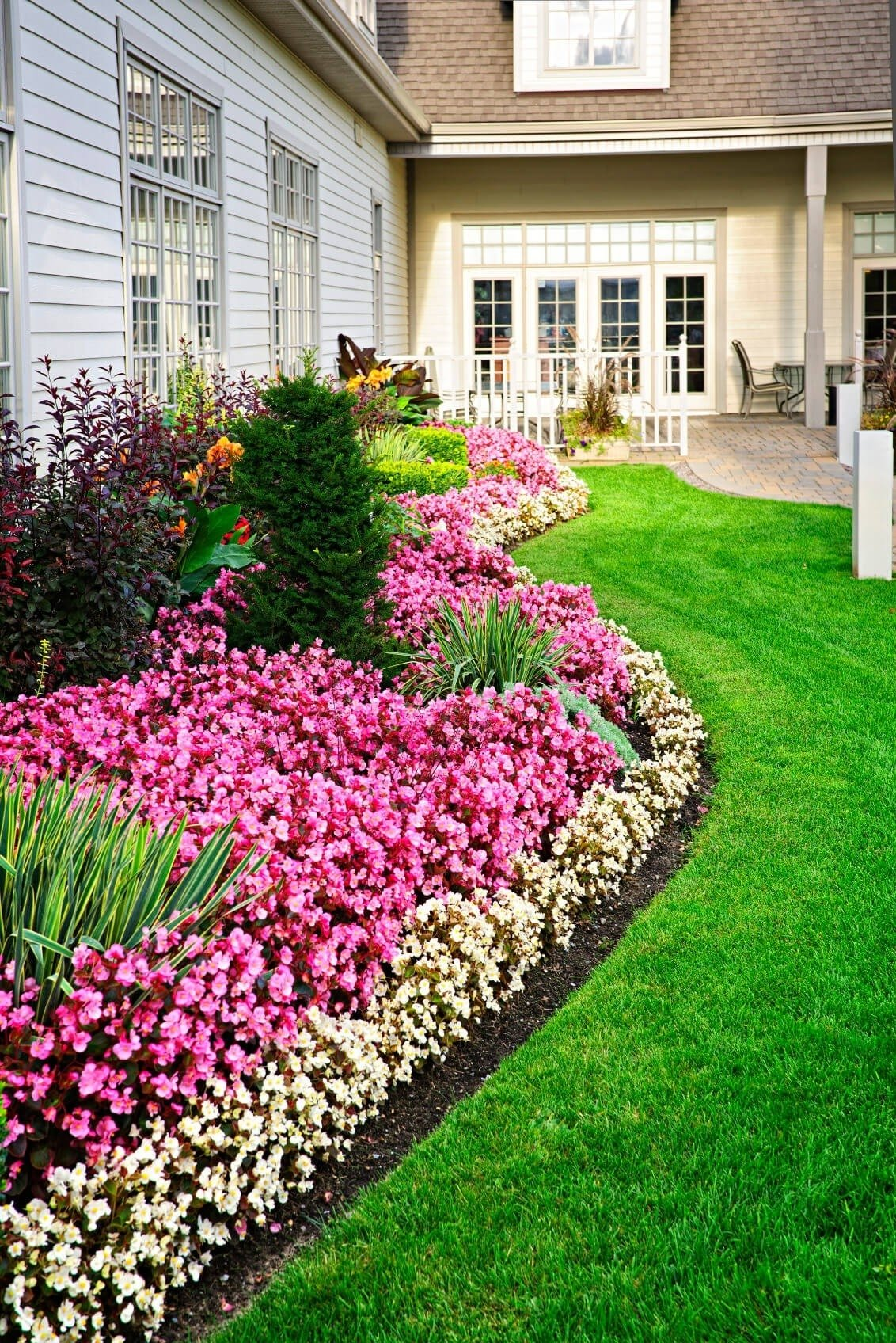 10 Spectacular Front Yard Flower Bed Ideas small flower garden design attractive 101 front yard garden ideas 2020