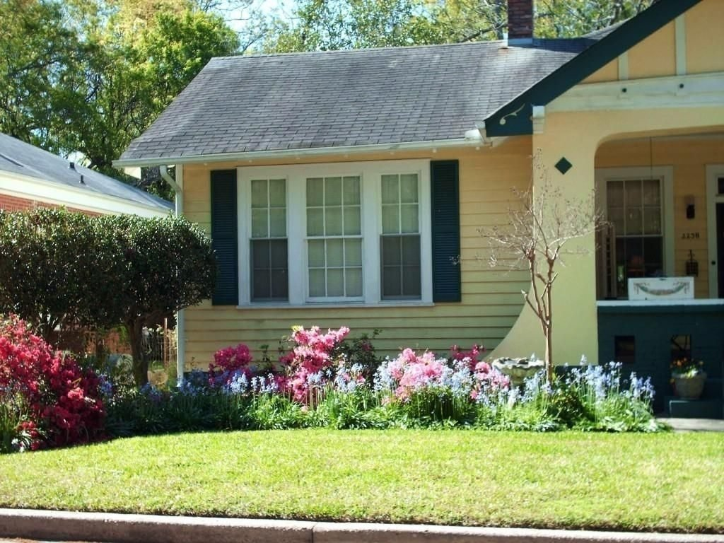 10 Spectacular Front Yard Landscaping Ideas For Small Homes small house front yard landscaping ideas garden ideas landscape for 2021
