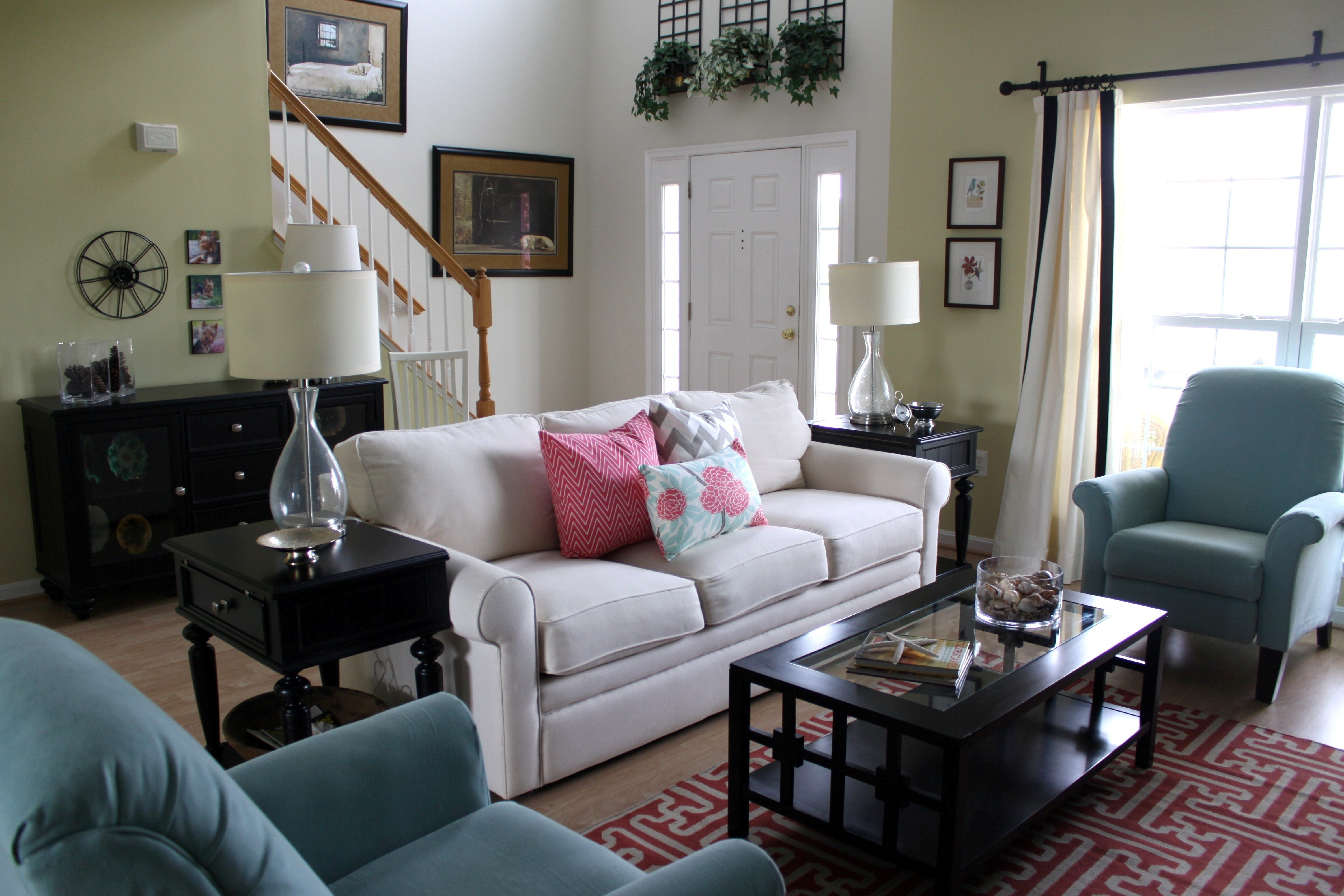 10 Ideal Small Living Room Decorating Ideas On A Budget small living room decorating ideas on a home inexpensive d cor 2020