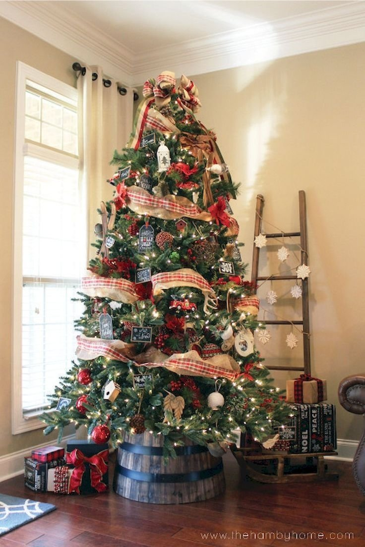 10 Amazing Christmas Tree Ideas For Small Spaces small office christmas decorations christmas tree ideas for small 2020