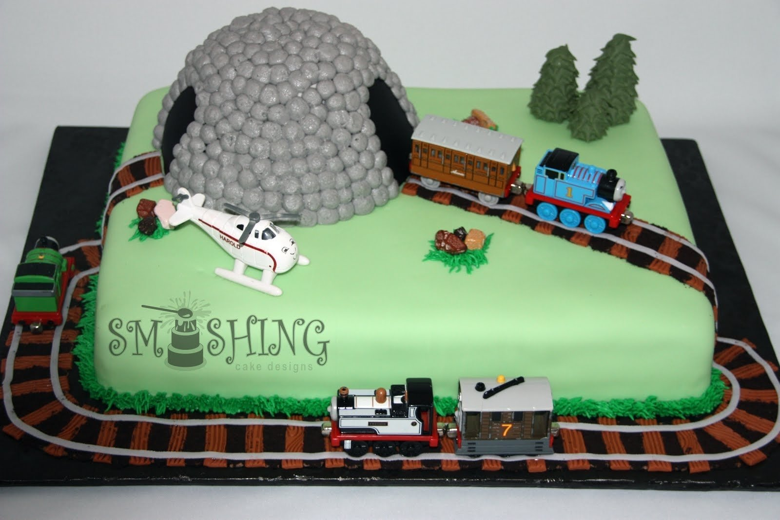 10 Nice Thomas And Friends Cake Ideas smashing cake designs thomas and friends