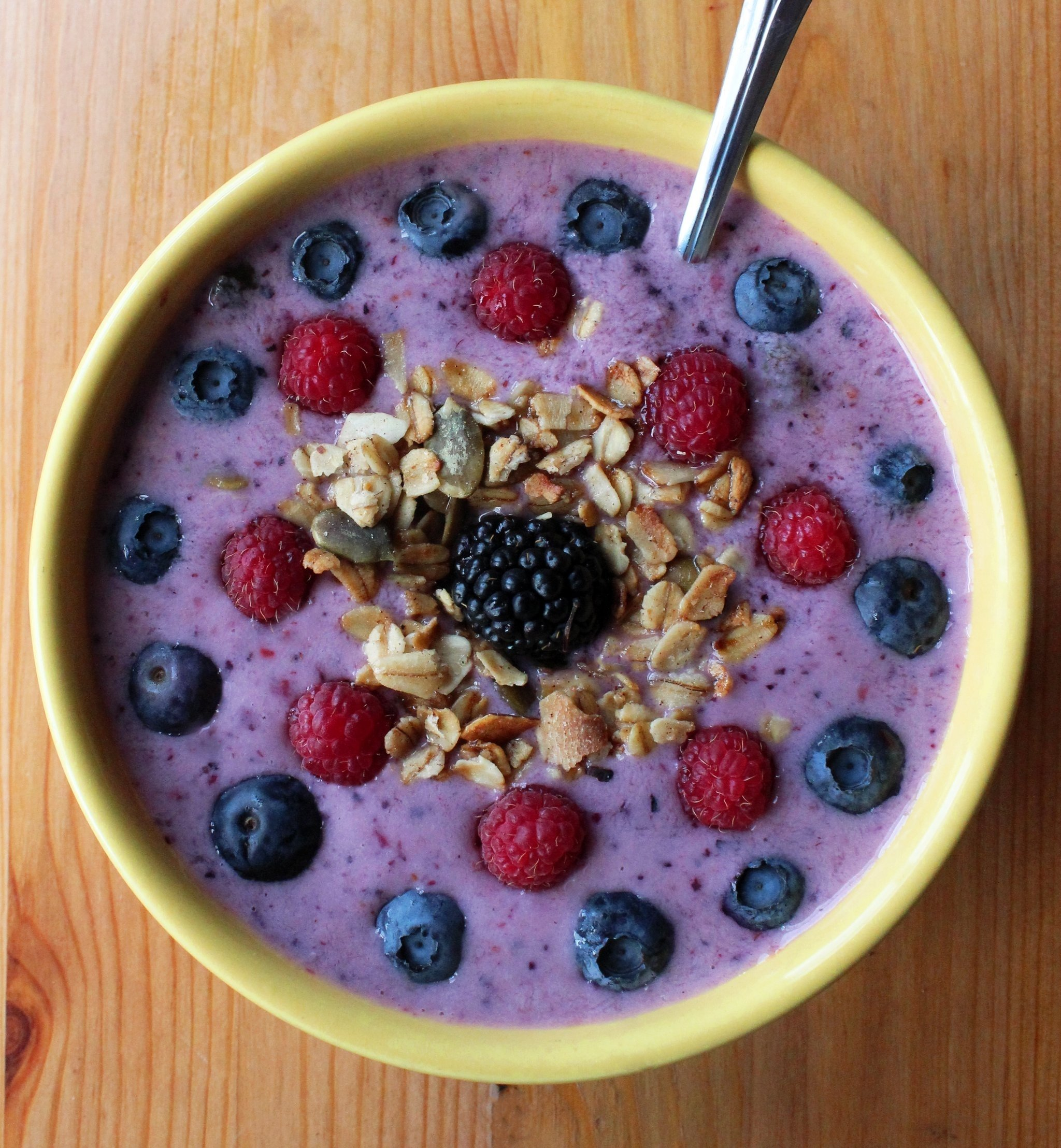 10 Fabulous Breakfast Ideas Under 300 Calories smoothie bowl recipe popsugar fitness