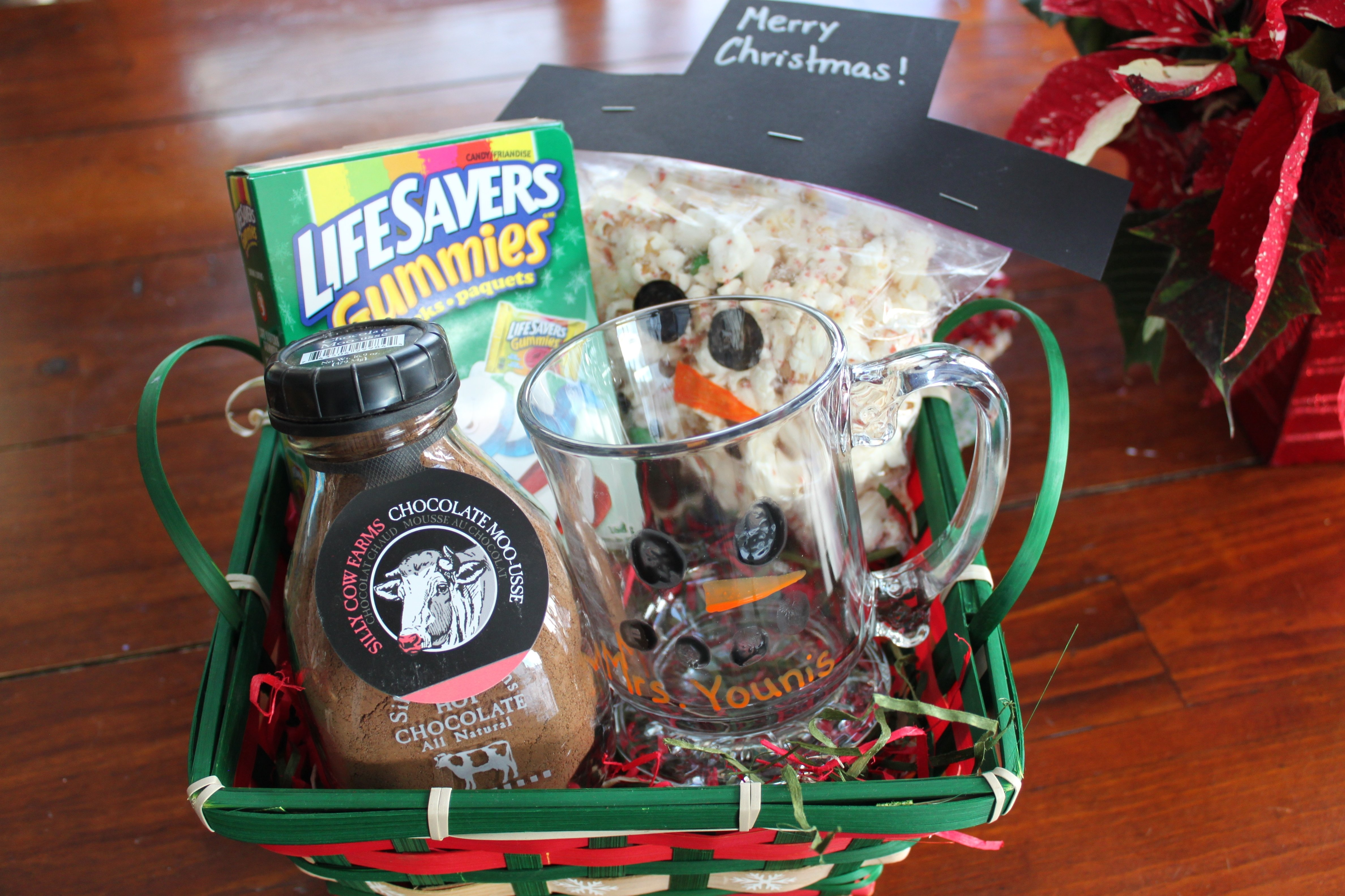 10 Great Gift Basket Ideas For Teachers snowman themed gift baskets 2021