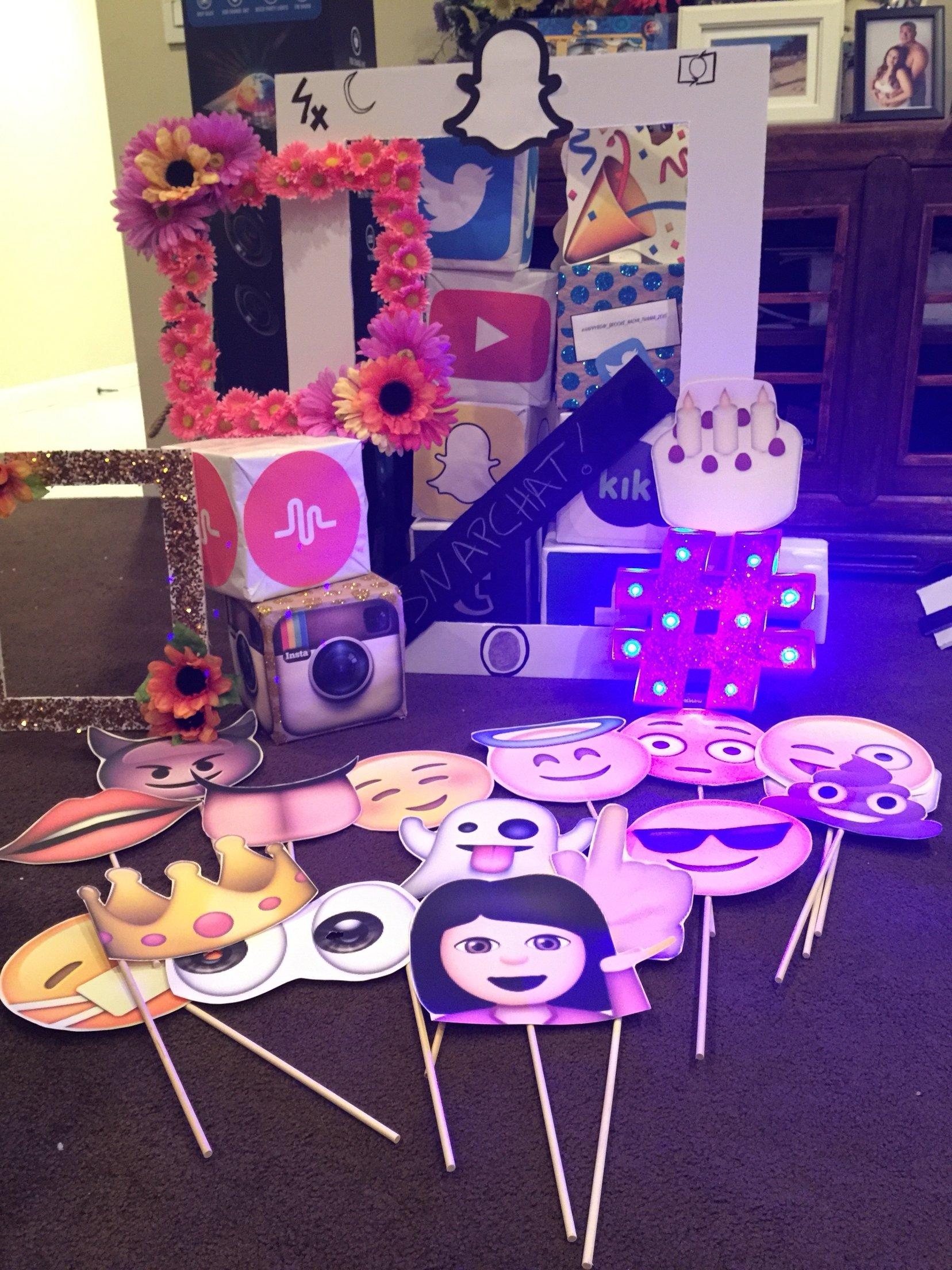 10 Pretty Ideas For A 13Th Birthday Party social media party props i made social media party pinterest 5 2021
