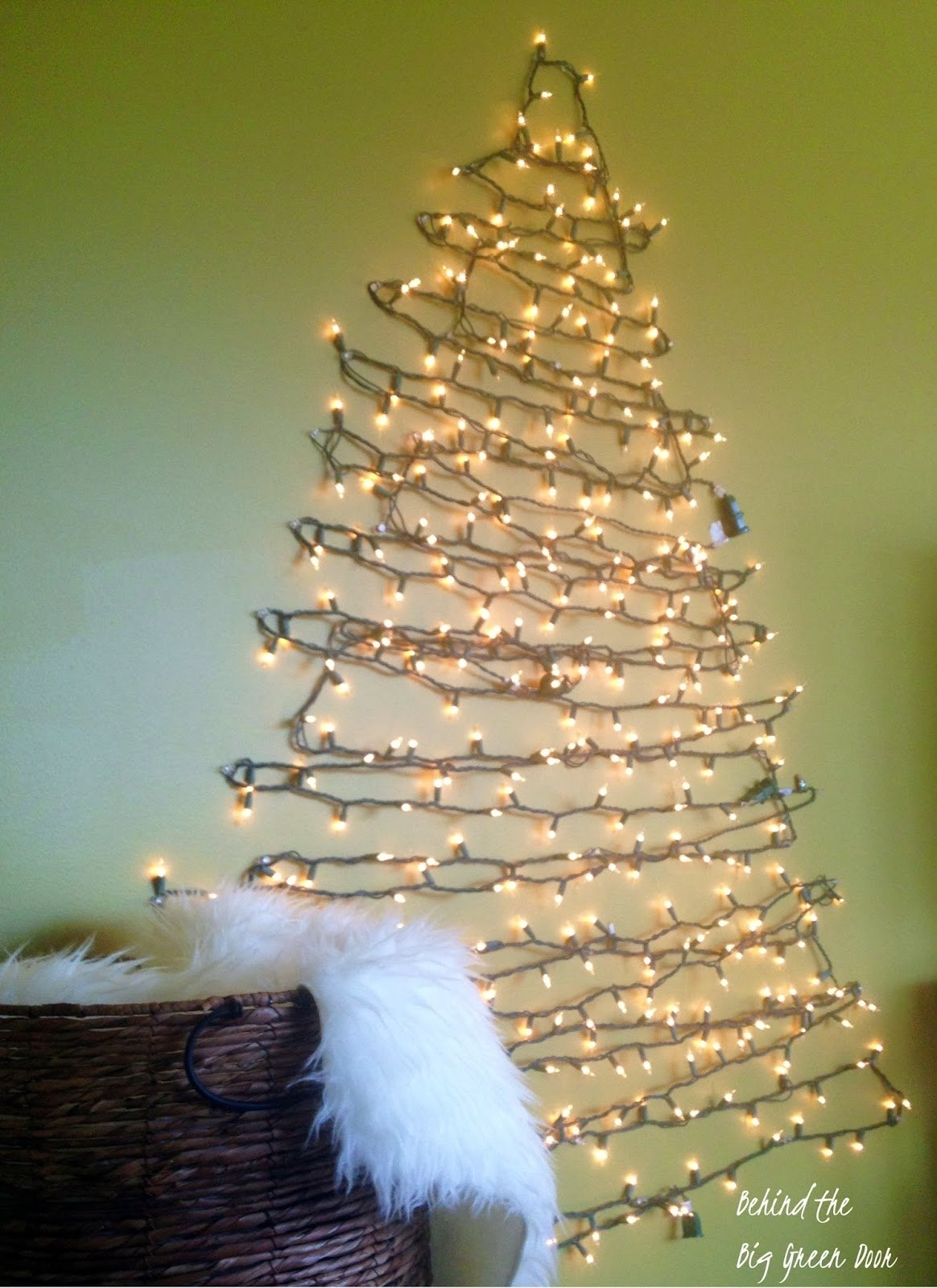 10 Amazing Christmas Tree Ideas For Small Spaces space saving christmas tree ideas for small spaces apartments 2020