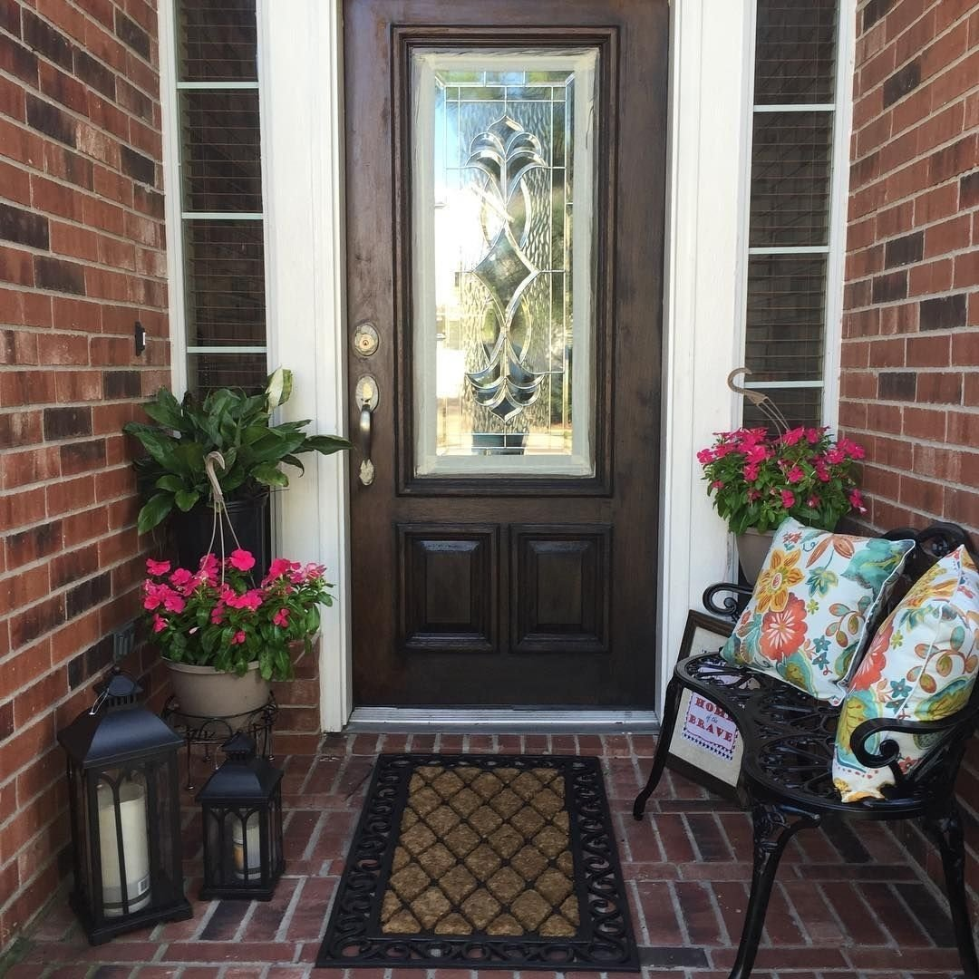 spring outdoor decorating. small front porch | small outdoor living