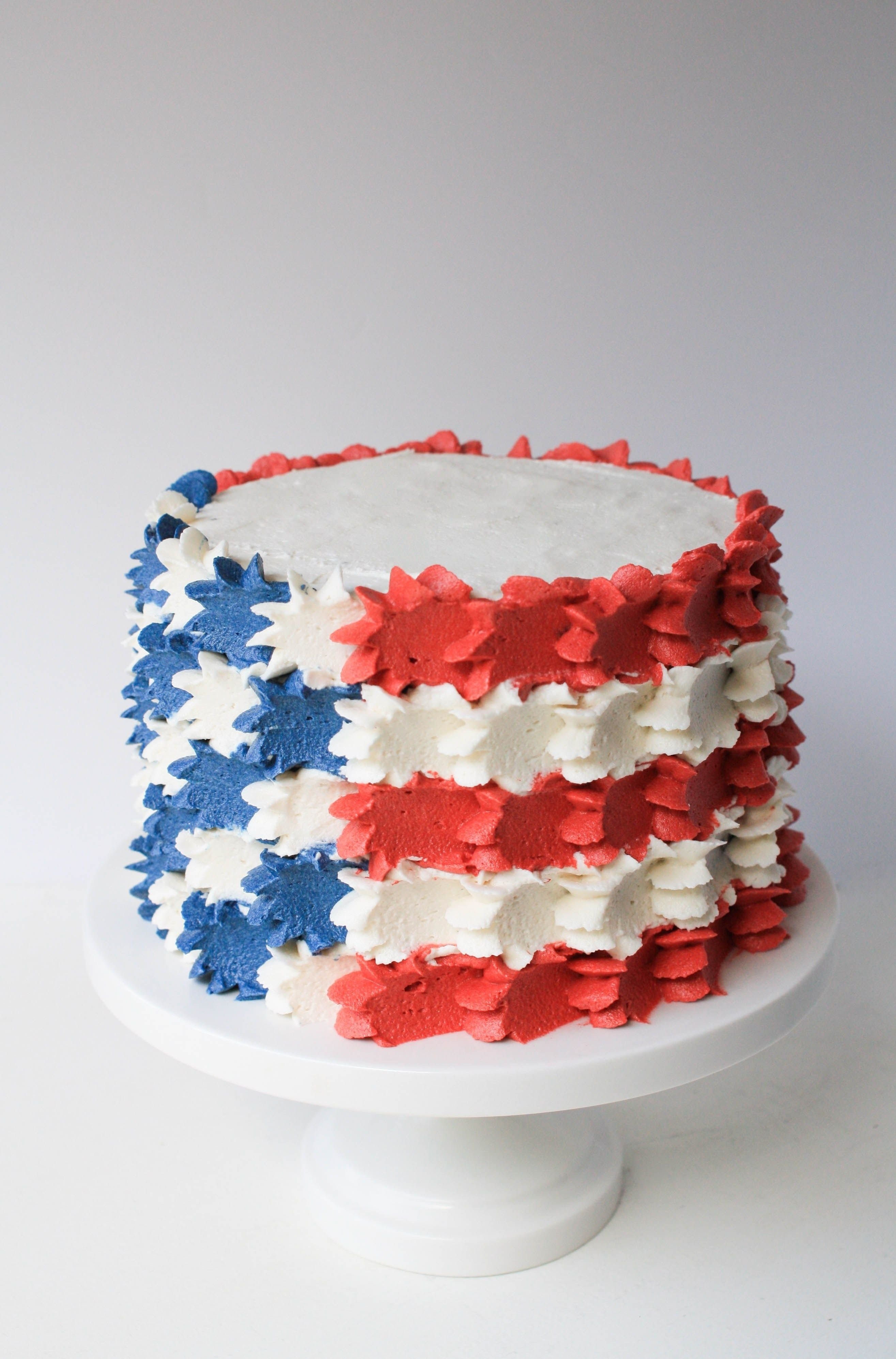 stars and stripes buttercream 4th of july cake |erin bakes | cake