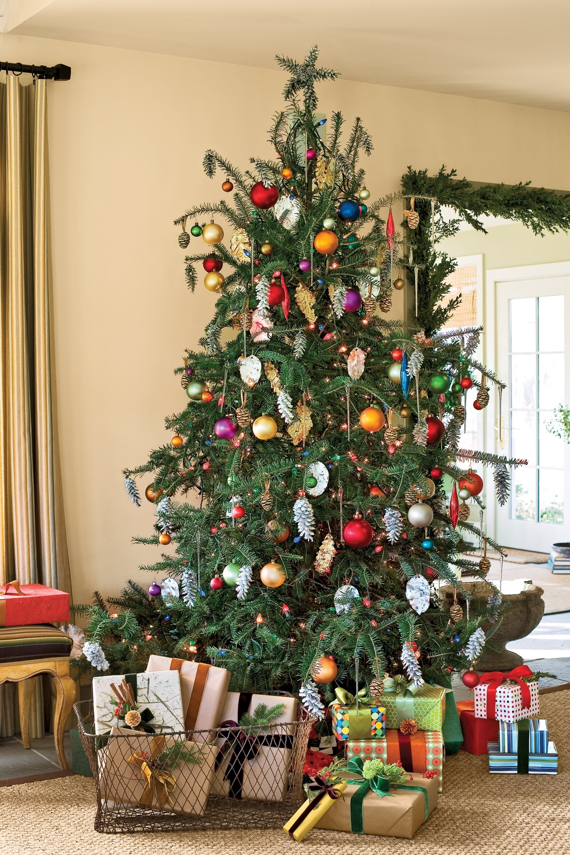 10 Fabulous Cheap Christmas Tree Decorating Ideas stunning christmas tree decorations 92 with home interior idea with