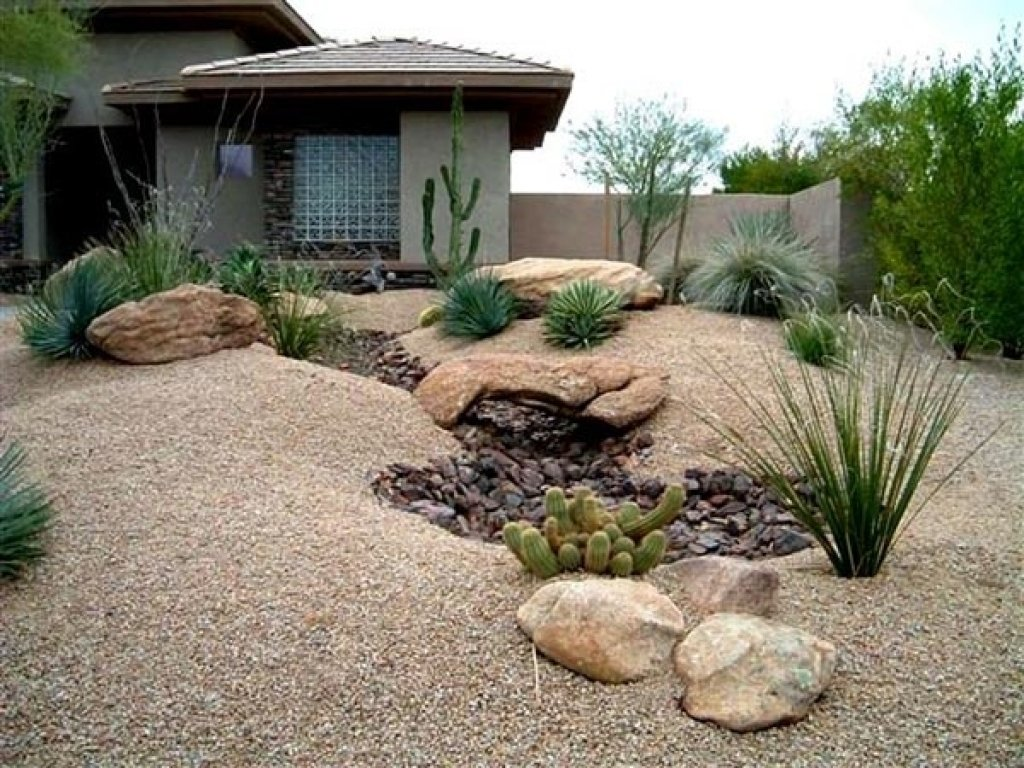 10 Most Popular Desert Landscaping Ideas For Front Yard stunning desert landscape inspiring ideas for front yard home 2021