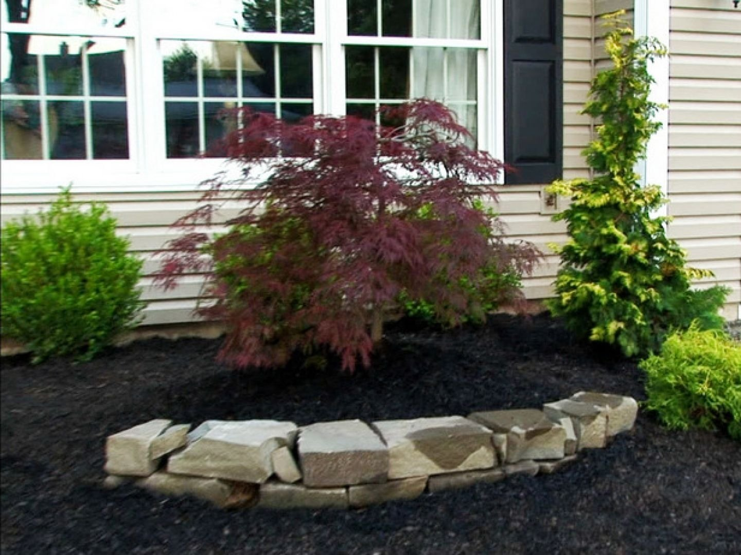 10 Stunning Small Front Yard Landscaping Ideas stunning small front yard landscaping ideas the landscape design 1