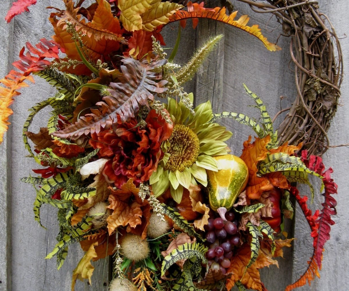 10 Stunning Fall Wreath Ideas Front Door sturdy cheap fall wreaths autumn wreaths how to make autumn wreaths 2020