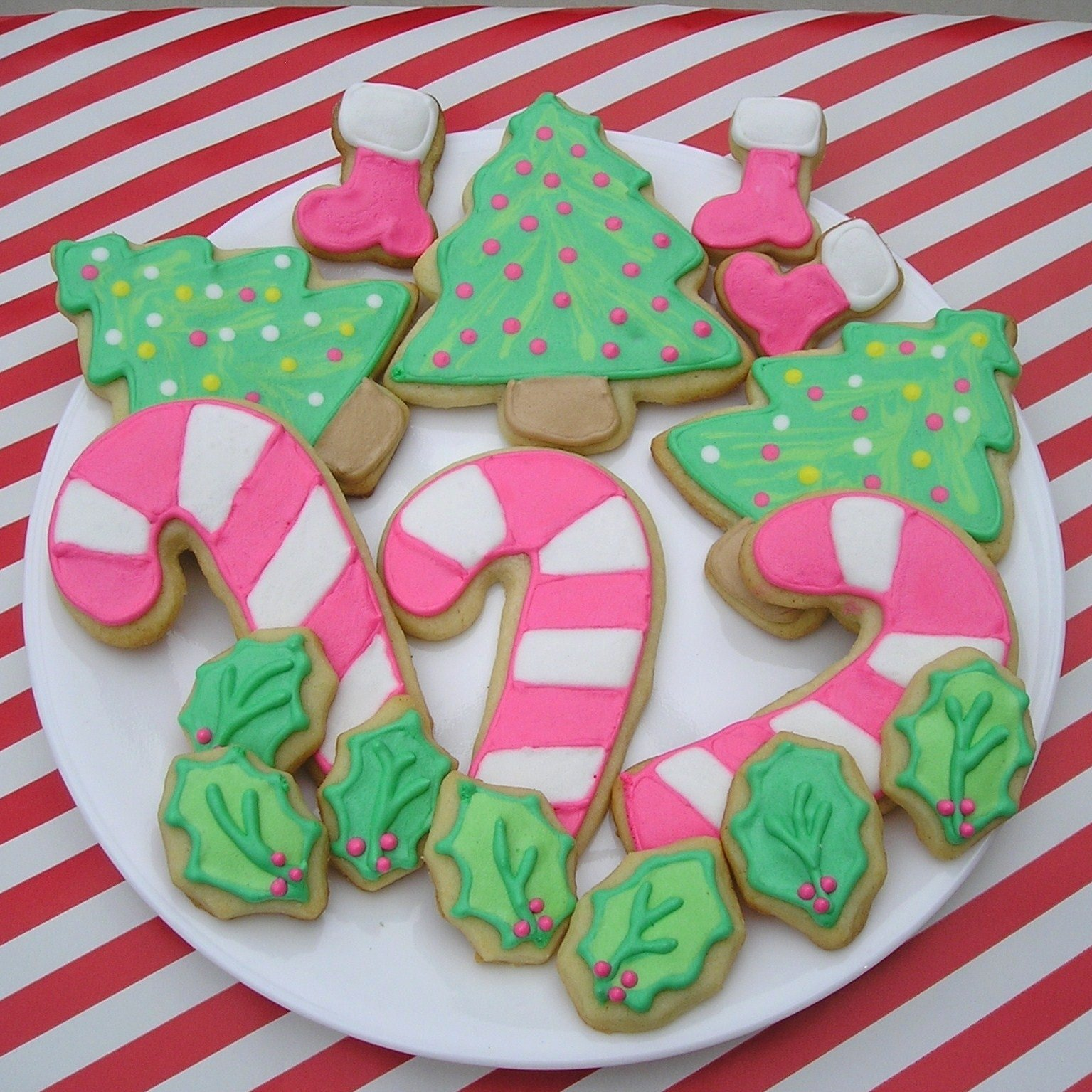 10 Ideal Christmas Sugar Cookie Decorating Ideas sugar dot cookies about me 2020