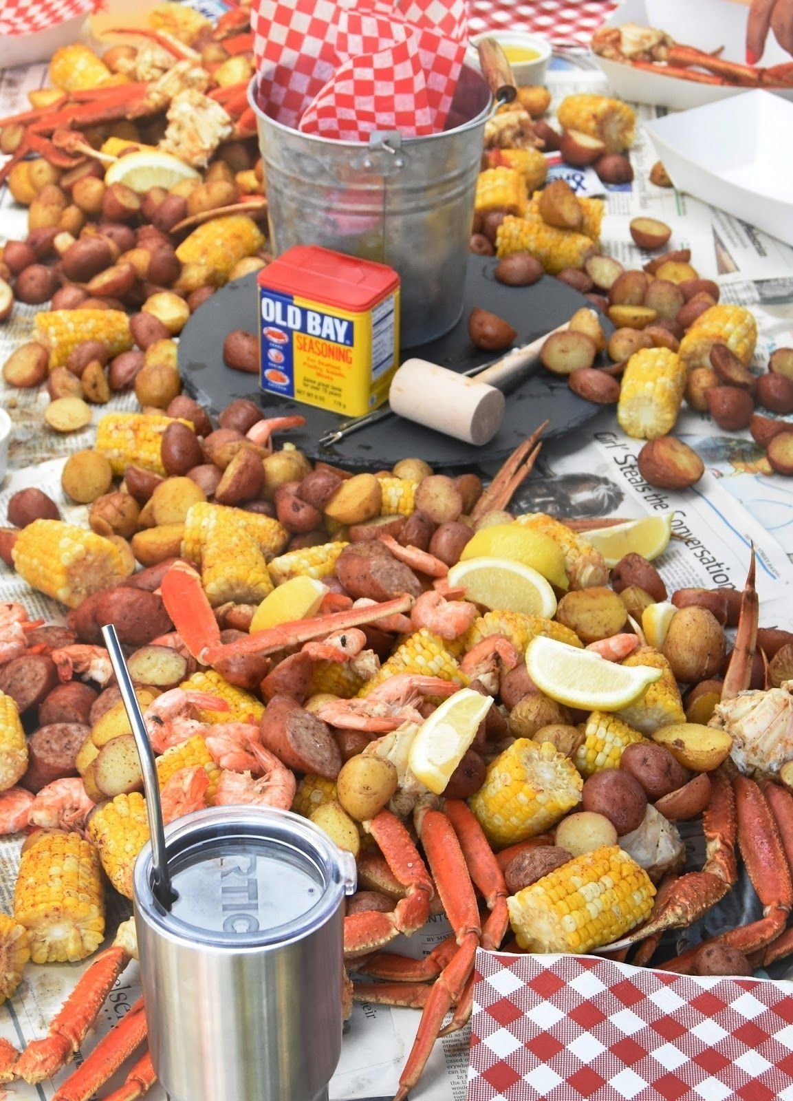 10 Attractive Low Country Boil Party Ideas summer crab boil party seafood party crawfish party party