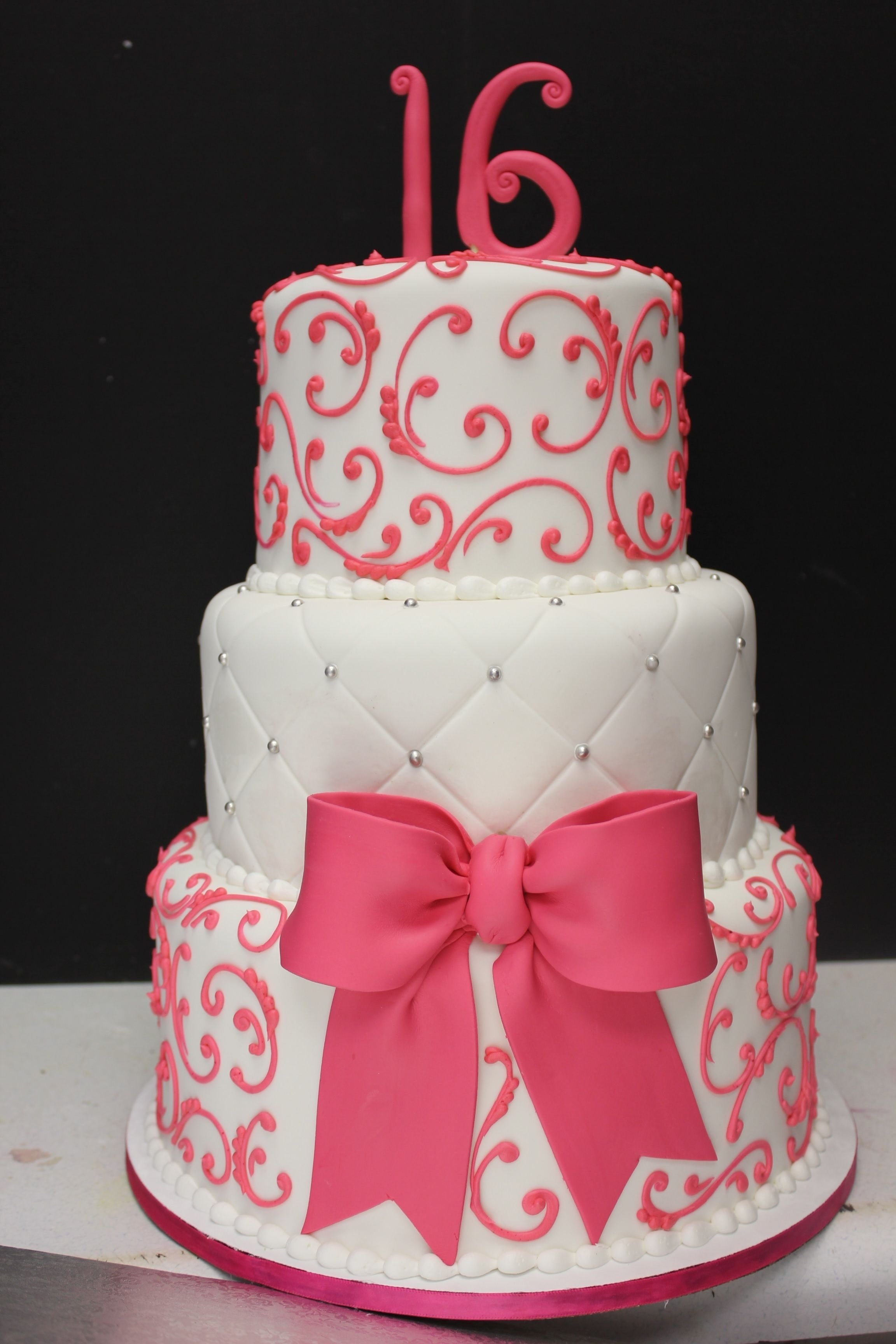 sweet 16 cake, maybe in red and black and gold instead | sweet 16