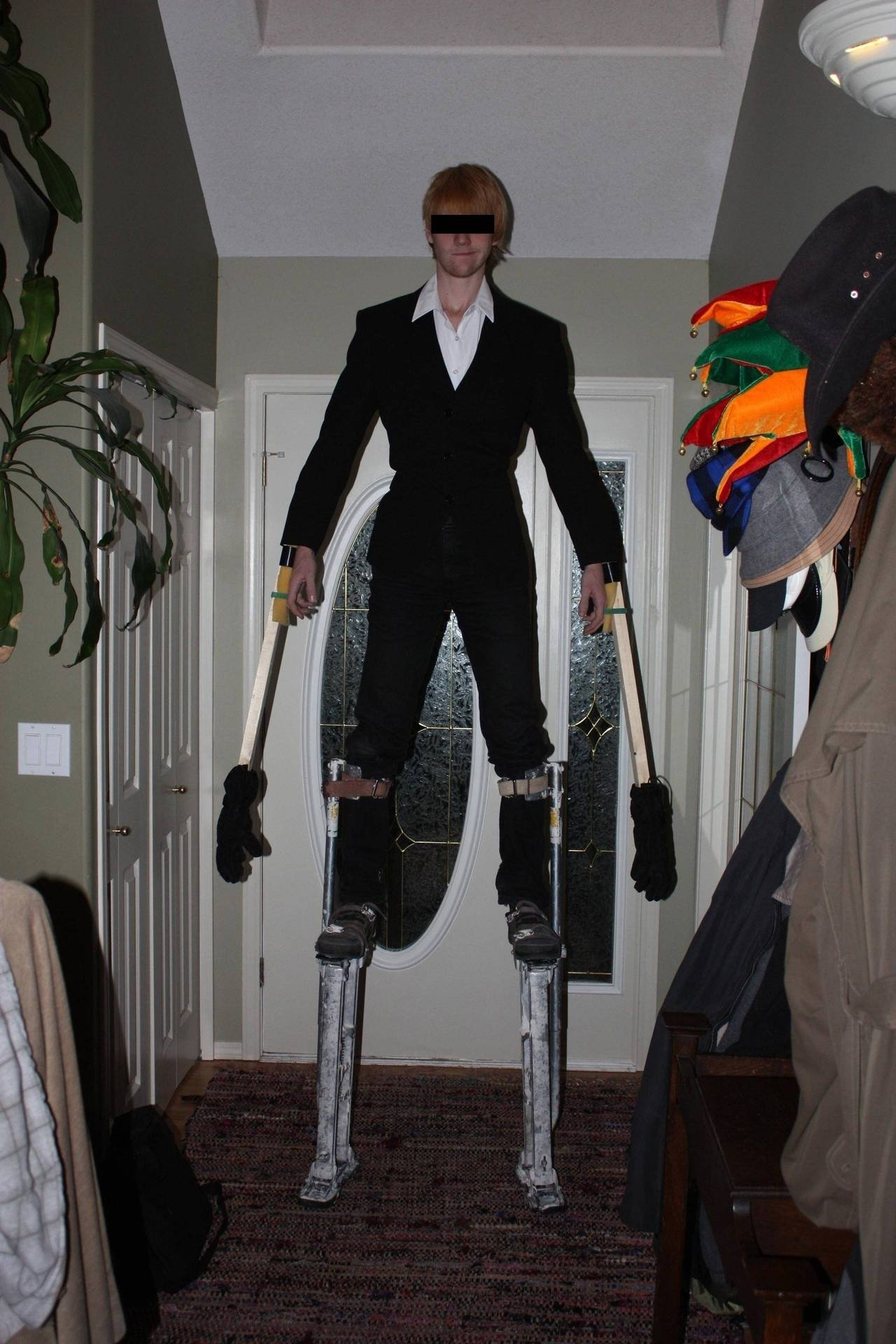 10 stylish costume ideas for tall men tall man halloween costumes the halloween