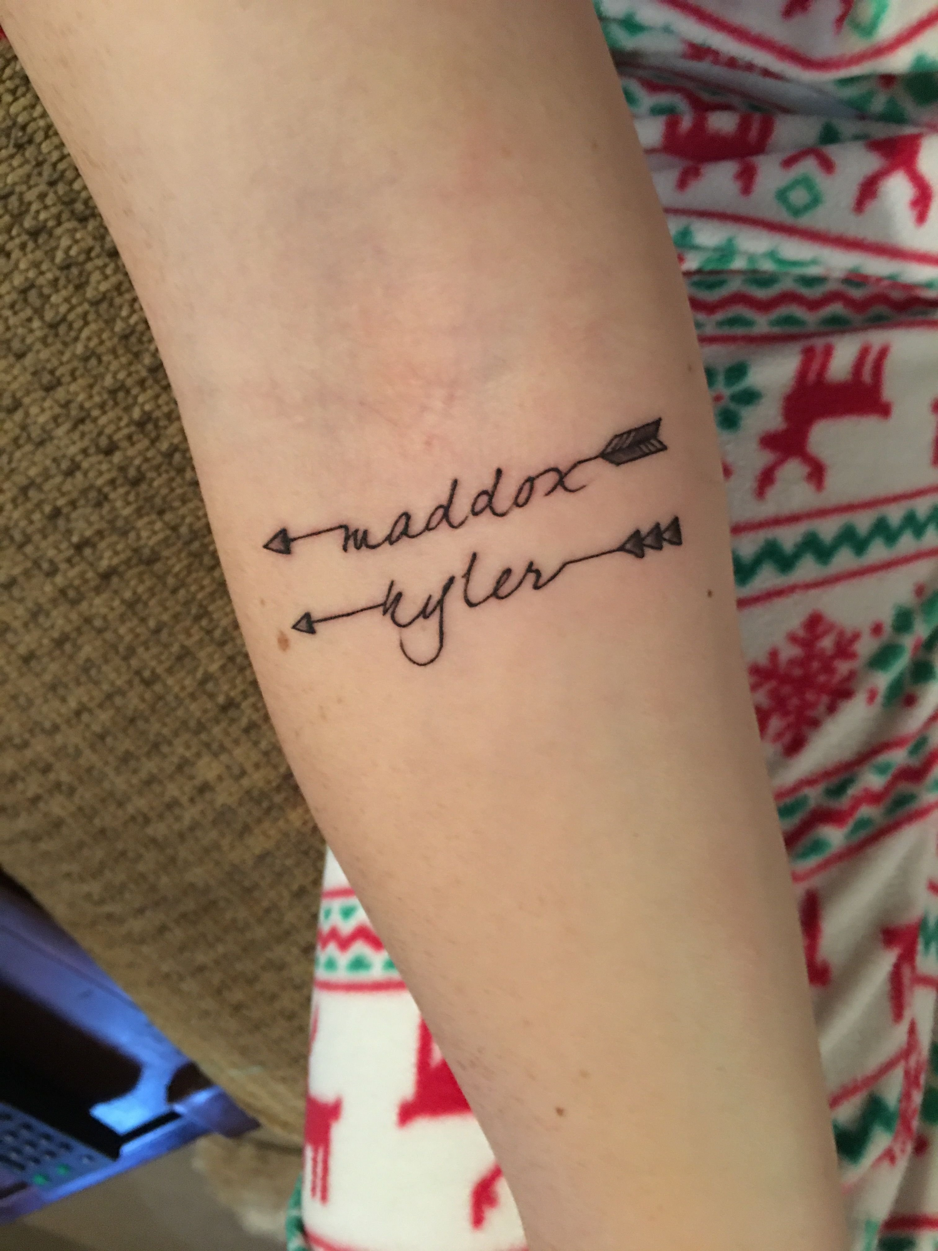 10 Fashionable Tattoo Ideas For Baby Names tattoo namen namendesigns und ideen tattoos arrow tattoo and 1