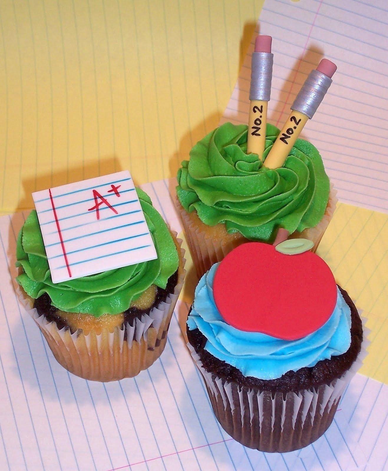 10 Lovely Back To School Cupcake Ideas teacher back to school cupcakes cakes pops cupcakes 2020