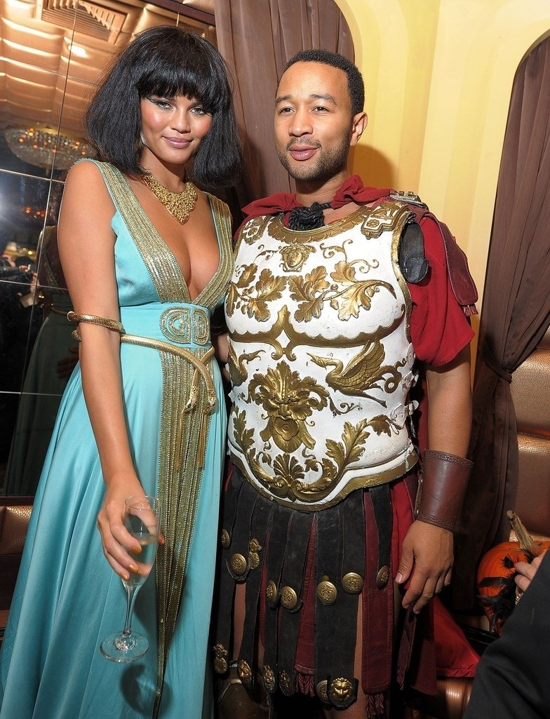 10 Fantastic Celebrity Couples Halloween Costume Ideas the best celebrity couples halloween costumes ever glamour 3 2021