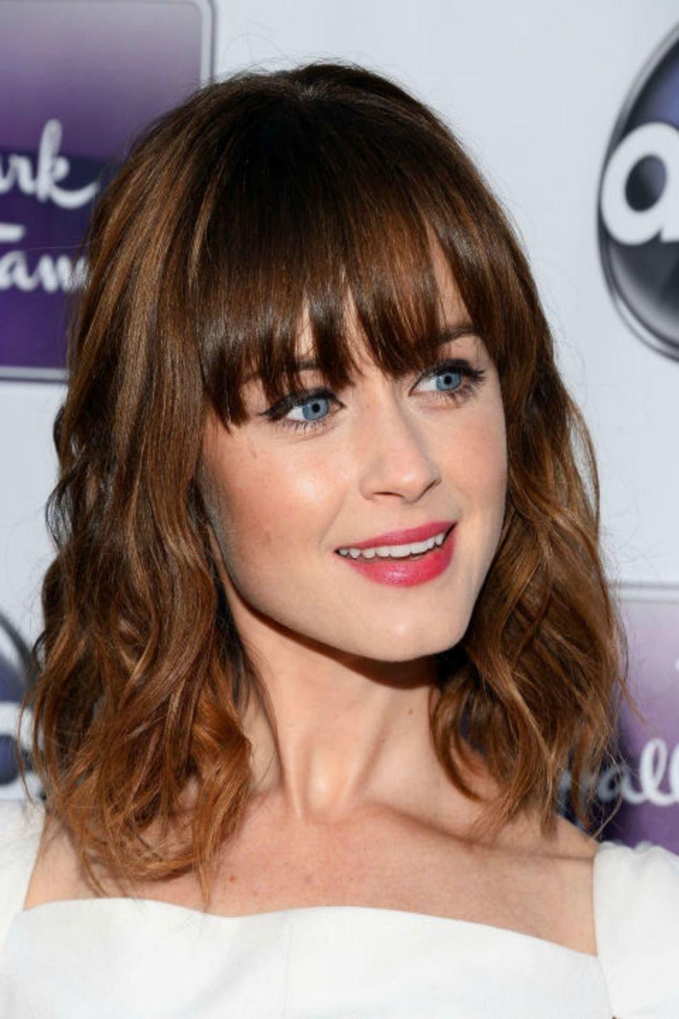 10 Ideal Bang Ideas For Medium Hair the different haircuts for medium hair yasminfashions