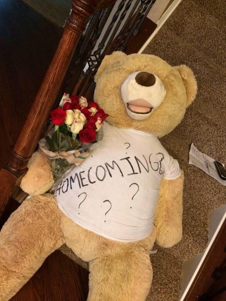 10 Stylish Cute Ideas To Ask Someone To Prom the dos and donts of asking someone to homecoming homecoming 3 2020