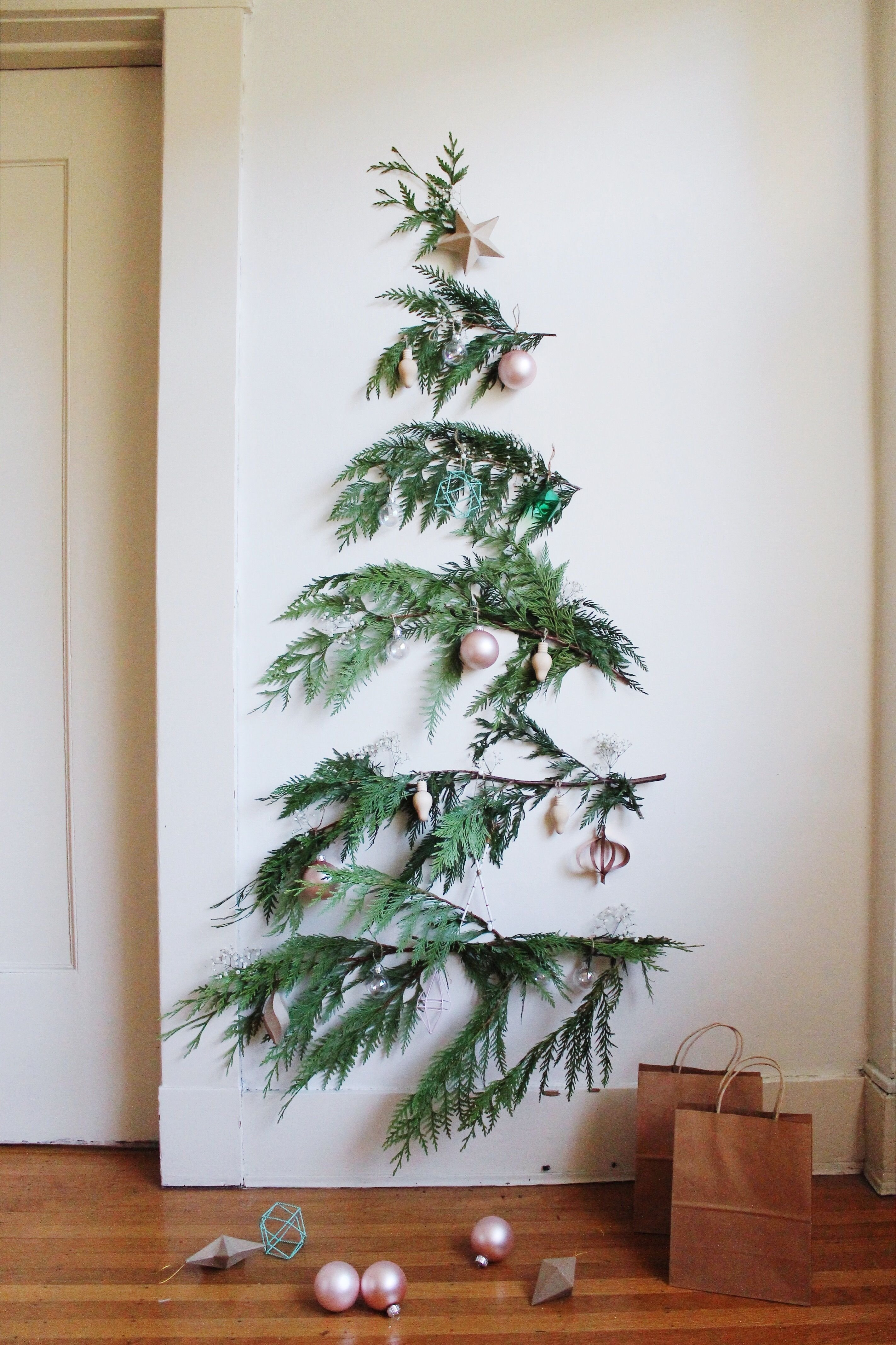 10 Amazing Christmas Tree Ideas For Small Spaces the perfect small space christmas tree ideas christmas tree ideas 2020