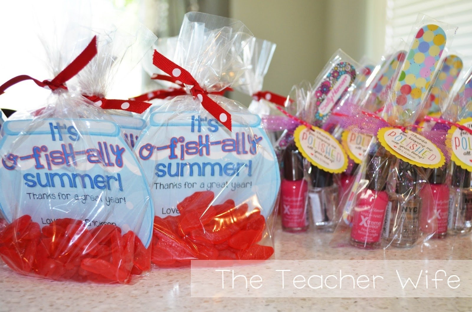 10 Ideal End Of The Year Gift Ideas For Students the teacher wife end of the year gifts for students parents 2020