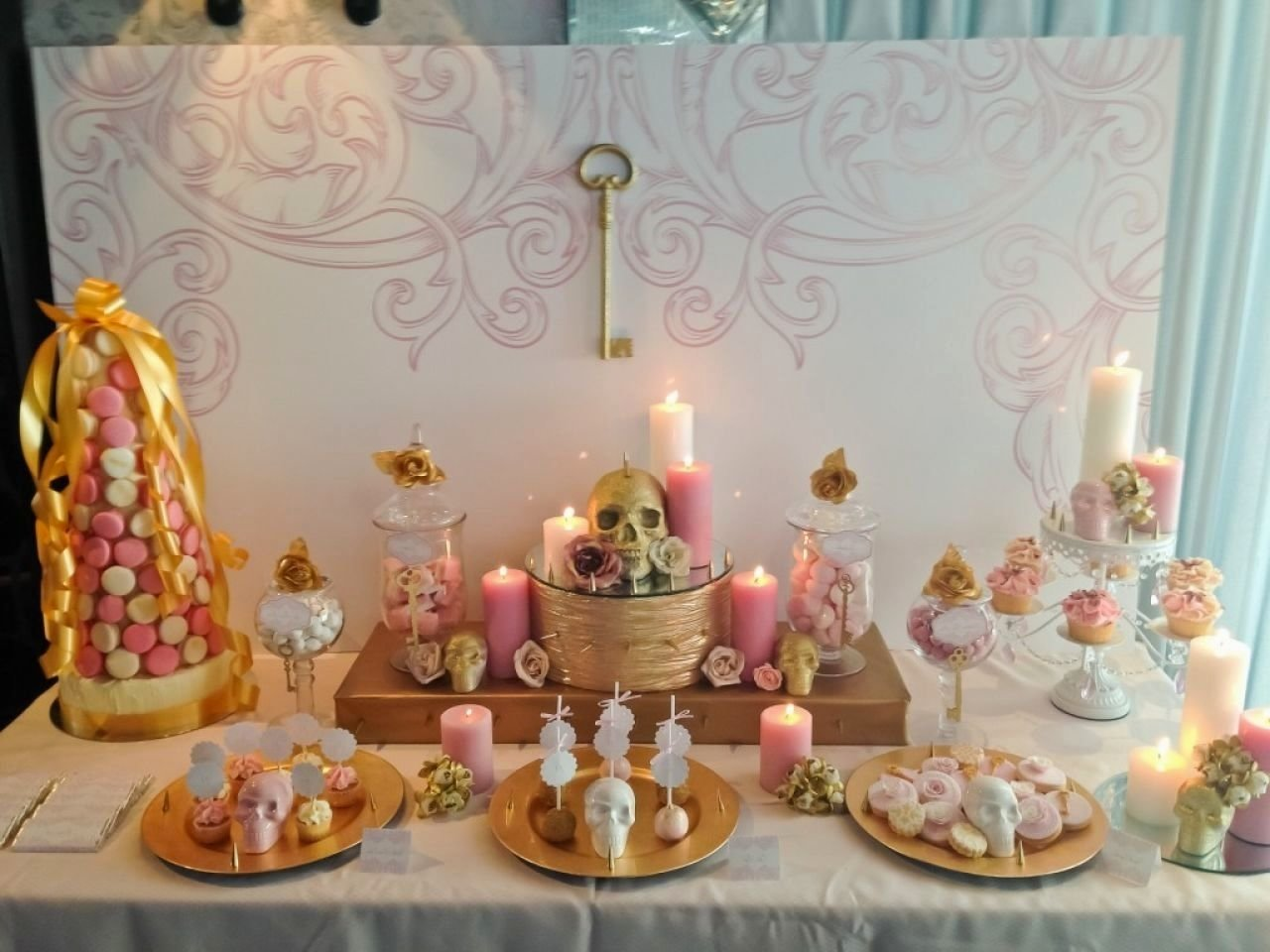 10 Elegant Ideas For A 21St Birthday Party Themes 21 Together With
