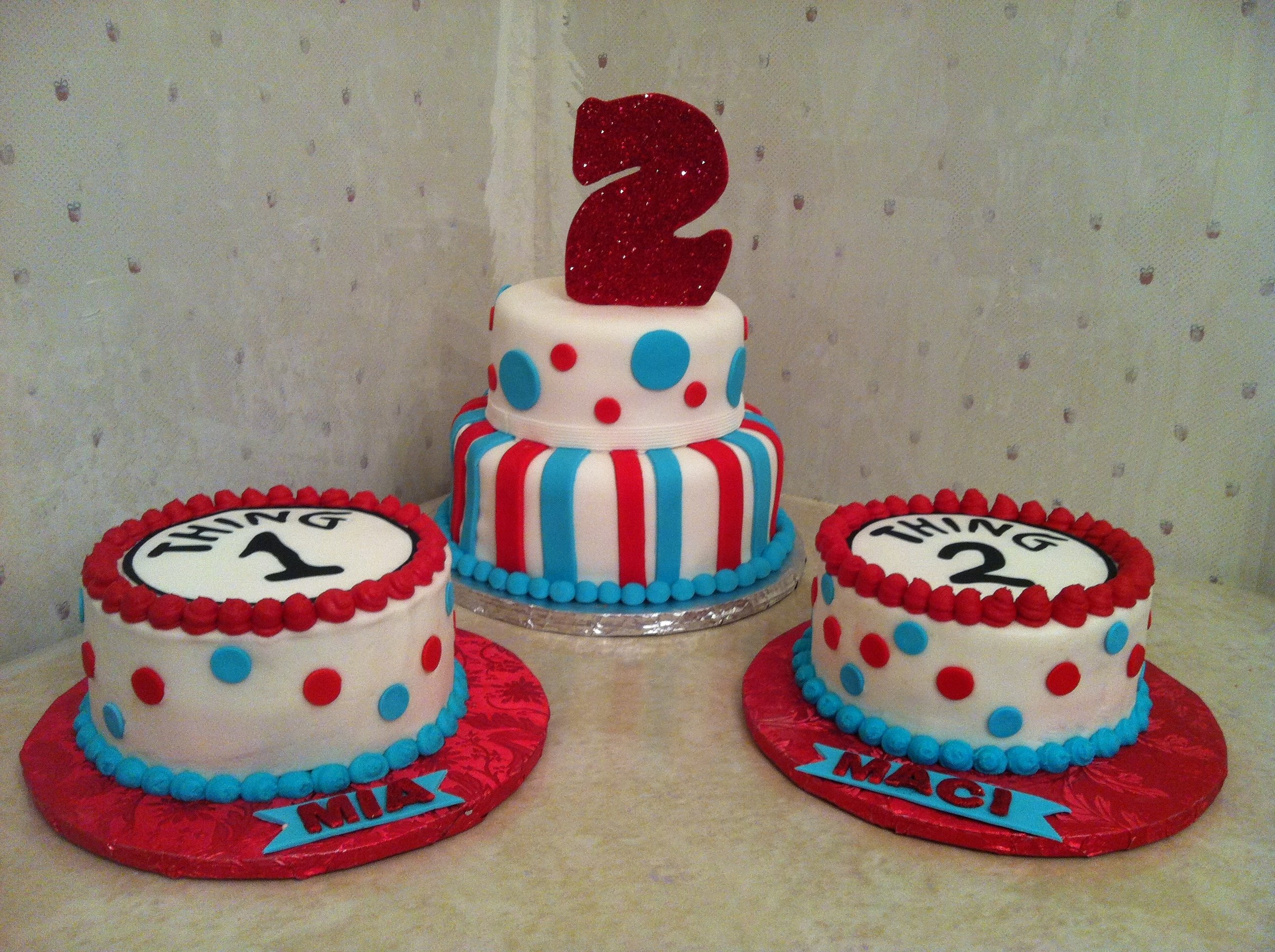 thing 1 thing 2 2nd birthday cake with smash cakes to go with for a