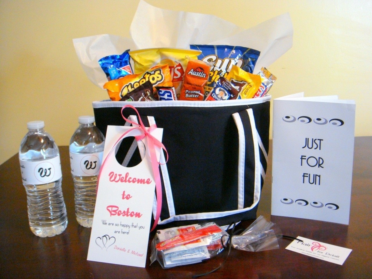 Gift Bag Ideas For Wedding Guests: Wedding Bag Ideas For Hotel Guests