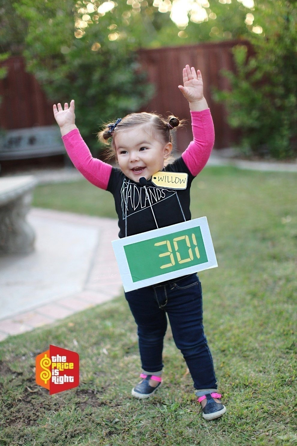 10 Fashionable Little Girl Halloween Costume Ideas this 3 year old is the undisputed costume queen of halloween 3 2020
