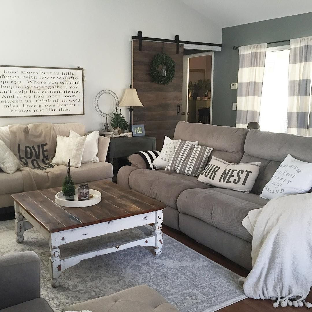 this country chic living room is everything! @rachel_bousquet has us