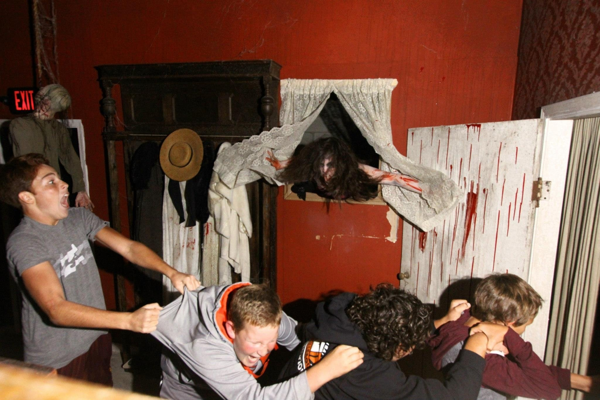 10 Stunning Scary Haunted House Room Ideas thousand oaks scare zone 2021