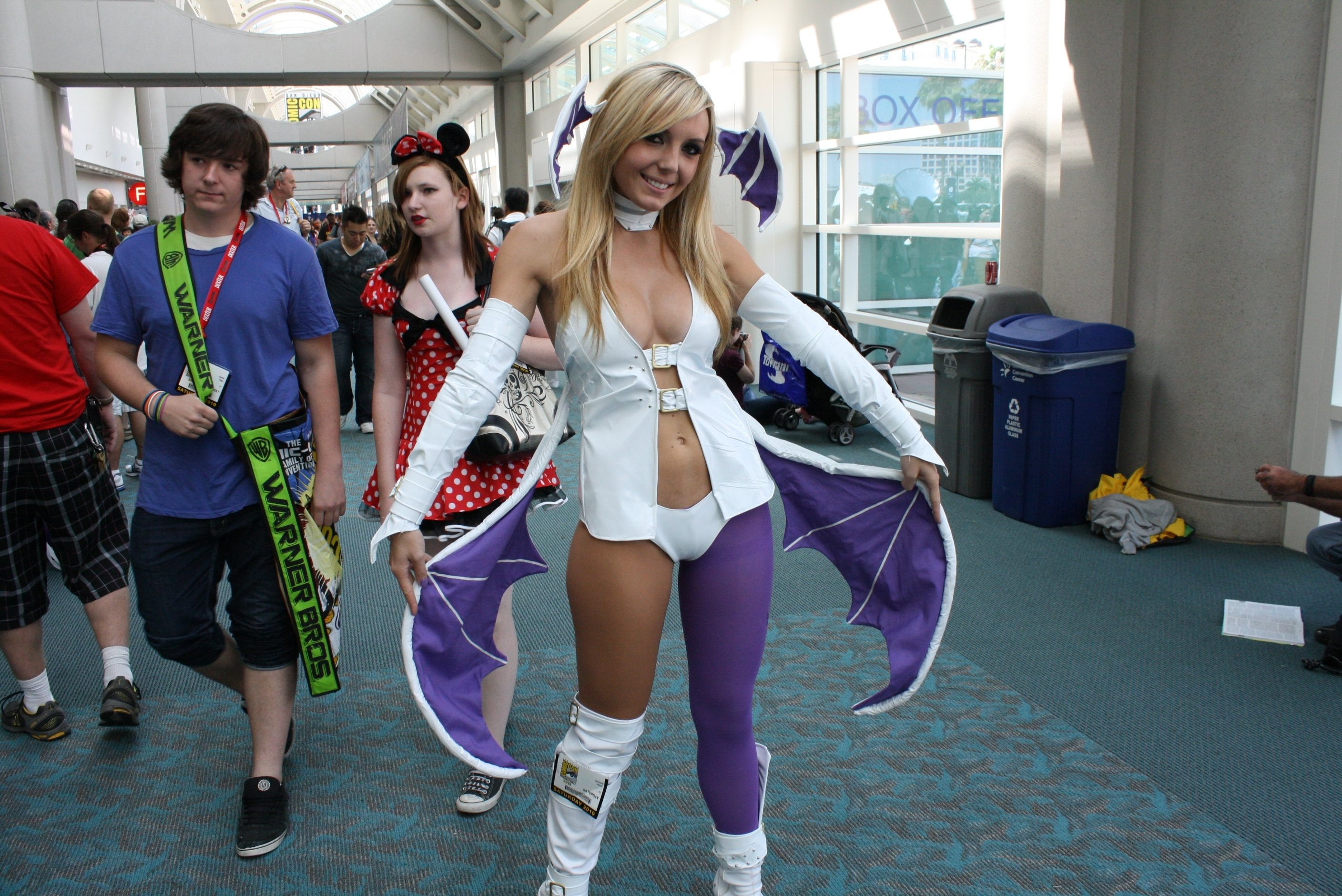 10 Gorgeous Comic Con Dress Up Ideas tips for comic con first timers collider