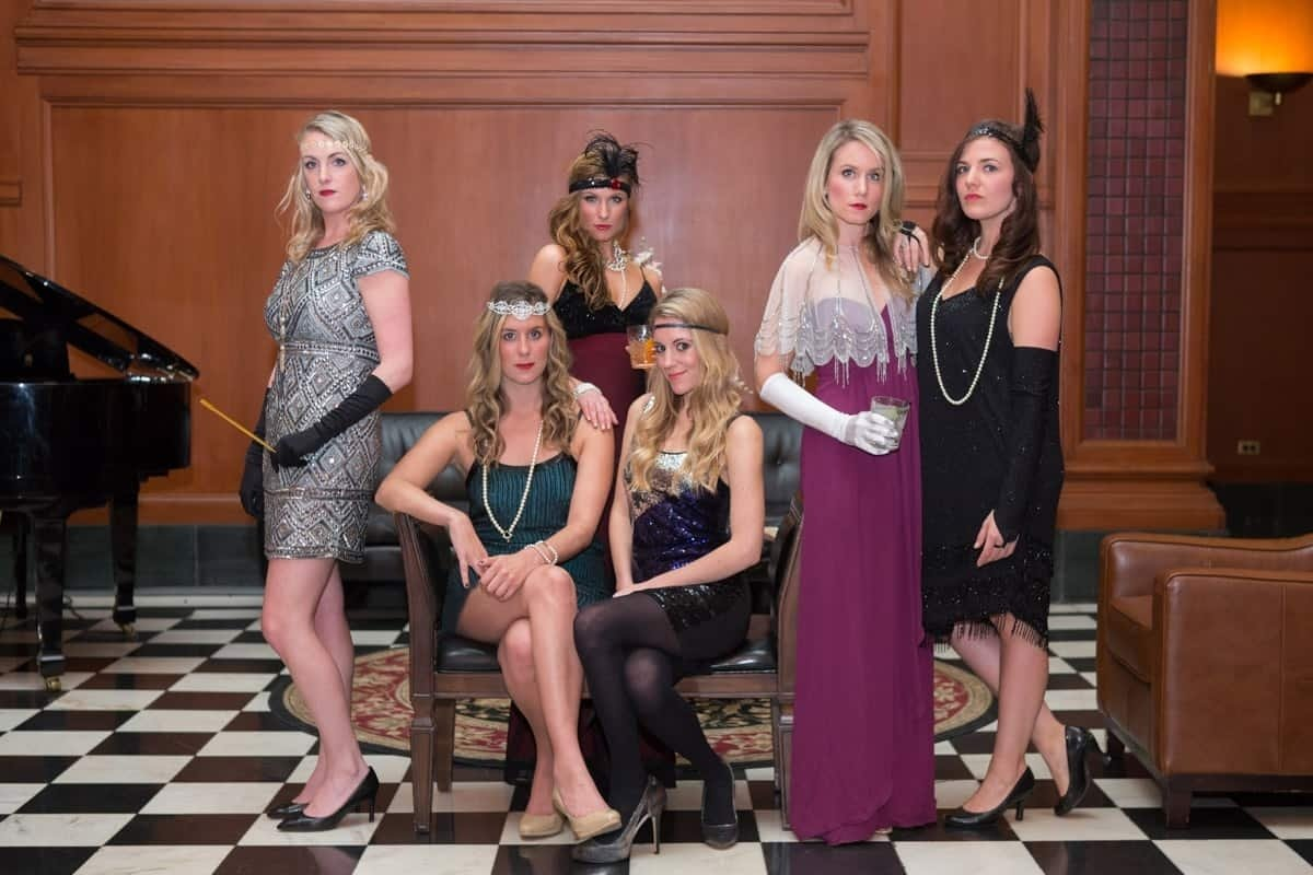 10 Fabulous Murder Mystery Dinner Party Ideas to host a murder mystery party 2021