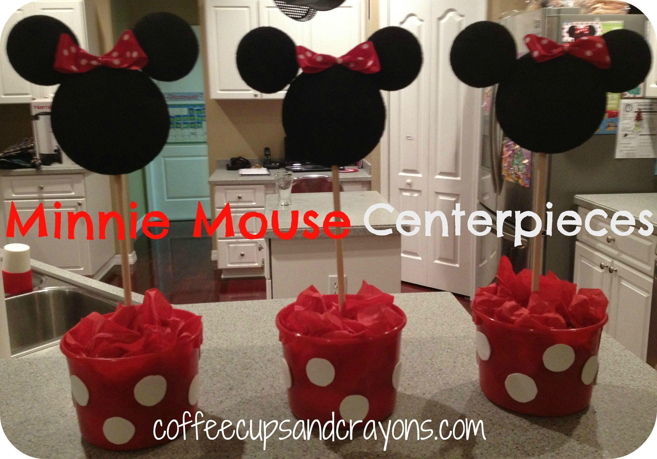 10 Stylish Red Minnie Mouse Party Ideas to make easy minnie mouse centerpieces