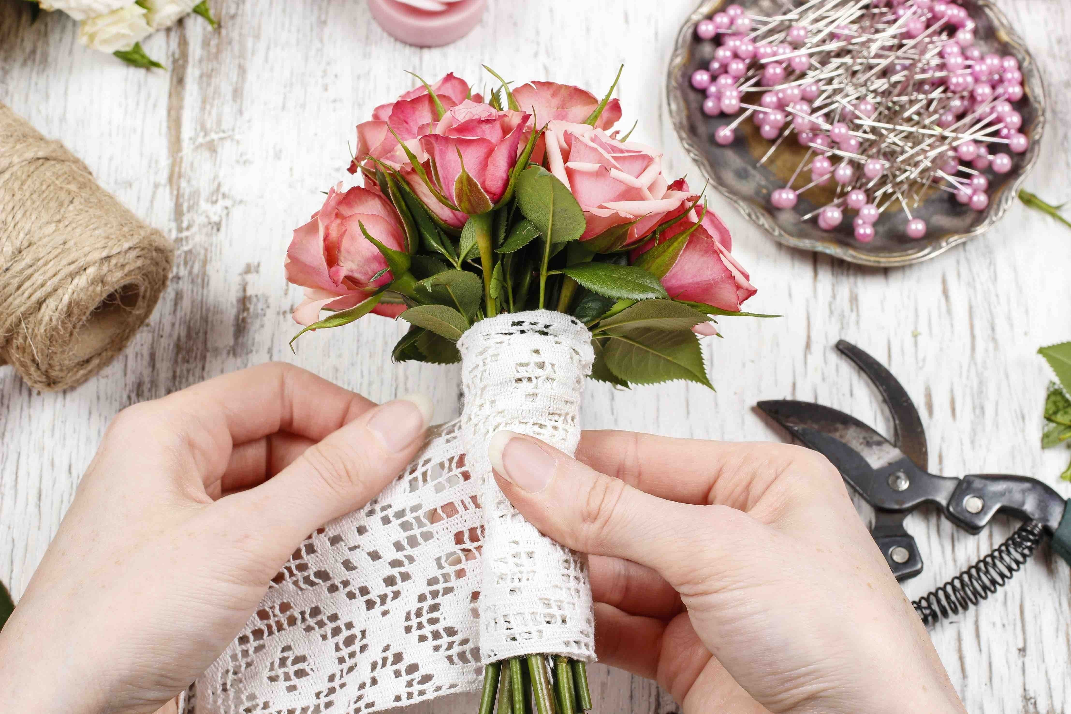 10 Perfect Wedding Ideas On A Tight Budget to plan a wedding on a tight budget 2020