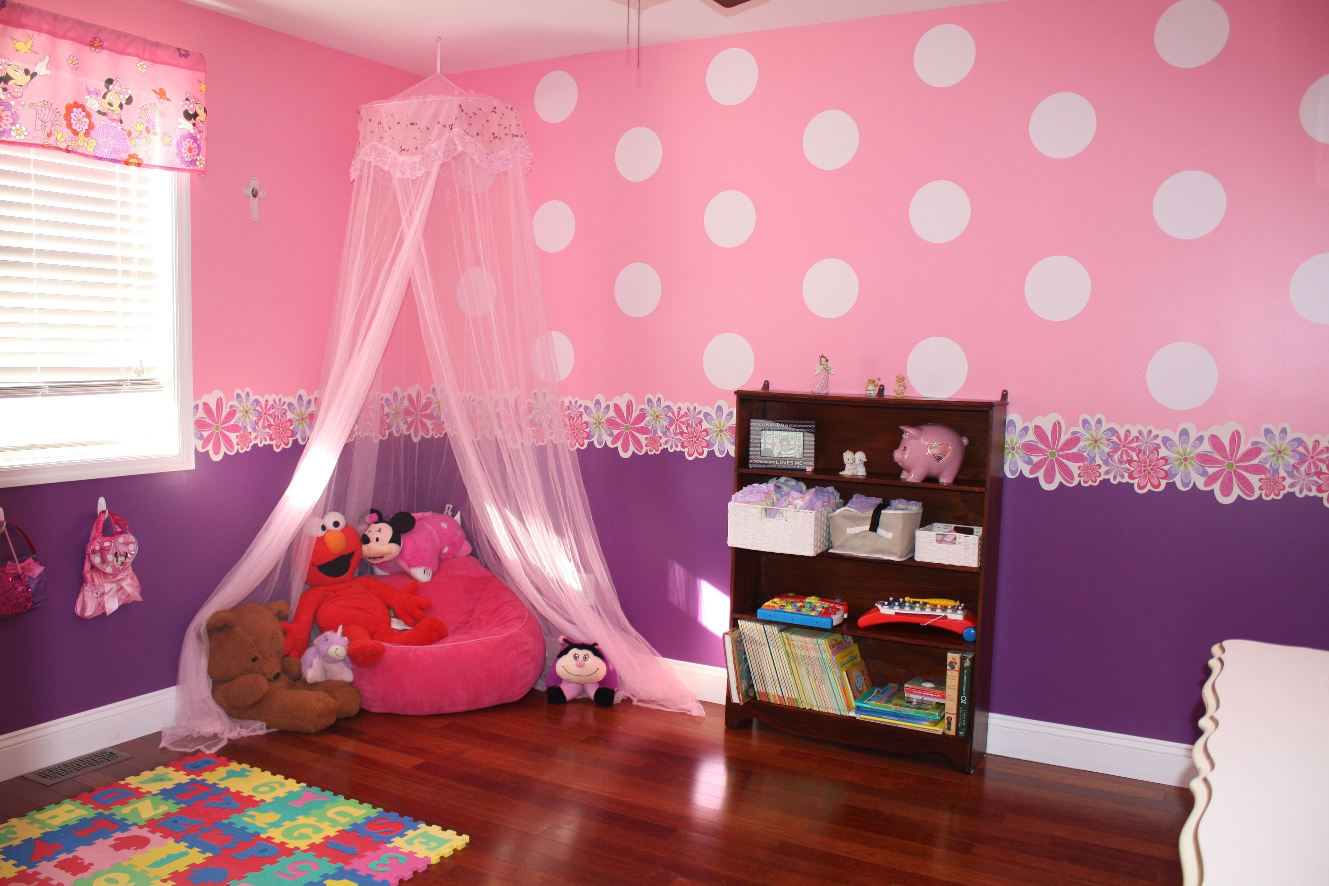 10 Stylish Minnie Mouse Room Decor Ideas toddler minnie mouse bedroom reading nook little girls room 2020
