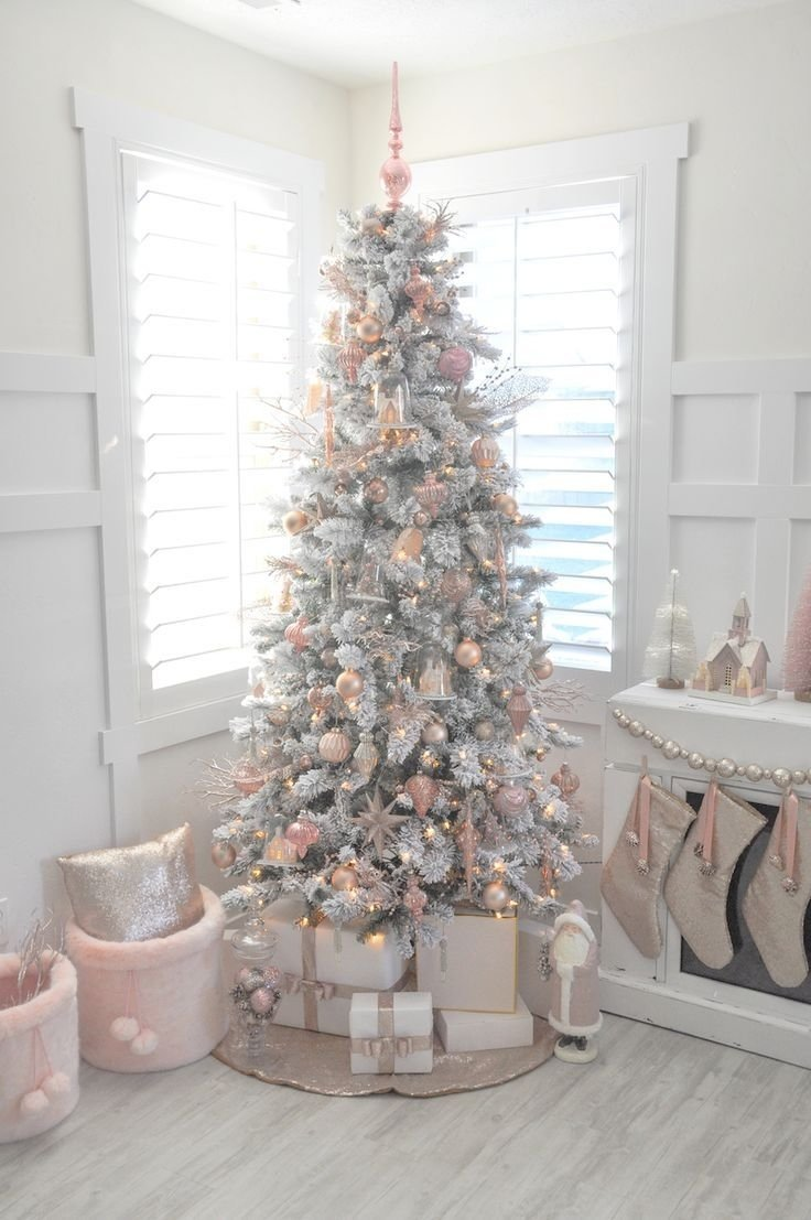 10 Attractive White Christmas Tree Decorating Ideas