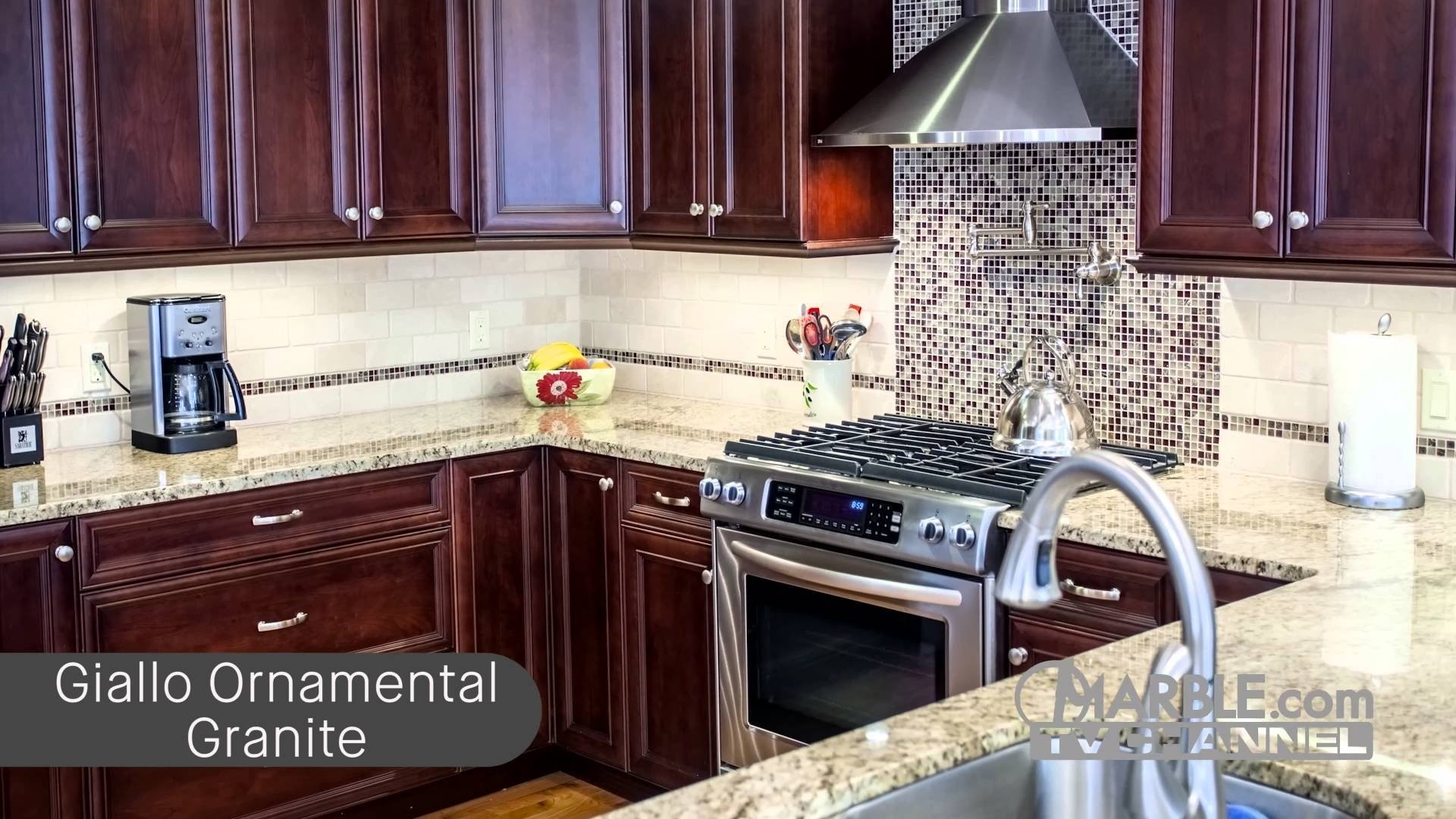 10 Attractive Backsplash Ideas For Cherry Cabinets top 5 granites for dark cabinets youtube 2021