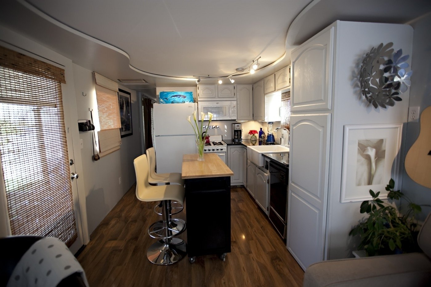 10 Perfect Single Wide Mobile Home Remodel Ideas total trailer remodel mobile manufactured home living 2021