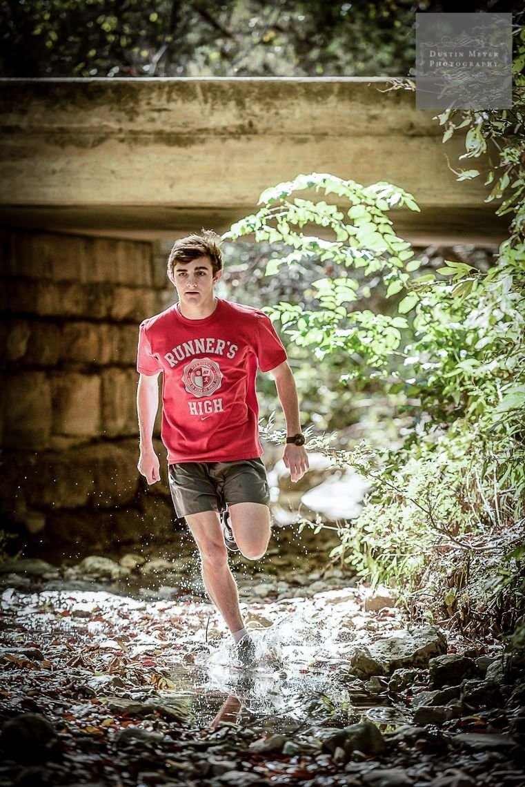 10 Lovable Senior Portrait Ideas For Guys trail running senior portraits photography outfits ideas for guys 3 2021