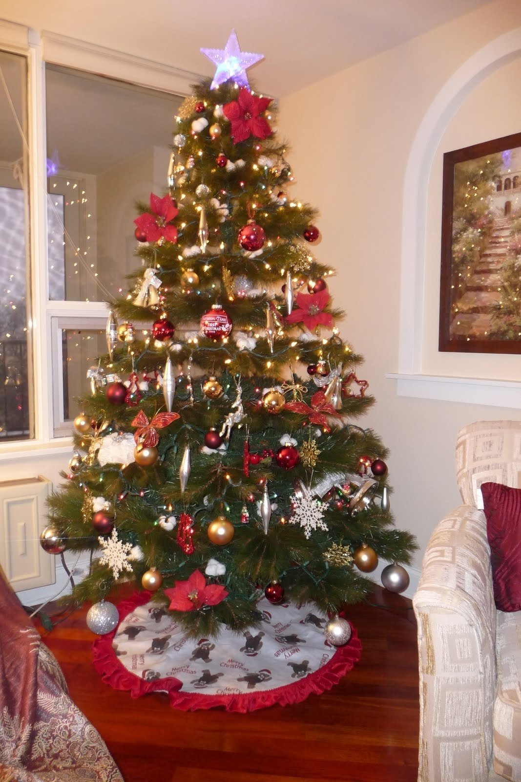 10 Fabulous Cheap Christmas Tree Decorating Ideas tree with christmas decoration xmasblor