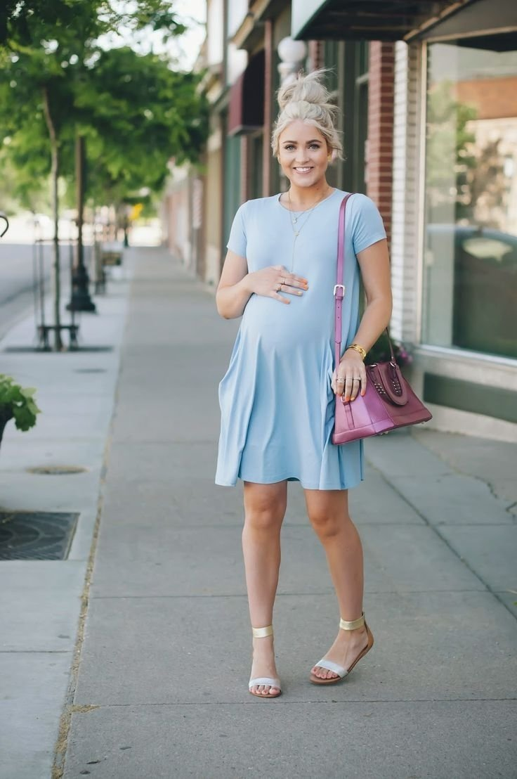 10 Attractive Outfit Ideas For Maternity Pictures trendy maternity outfit ideas 2021