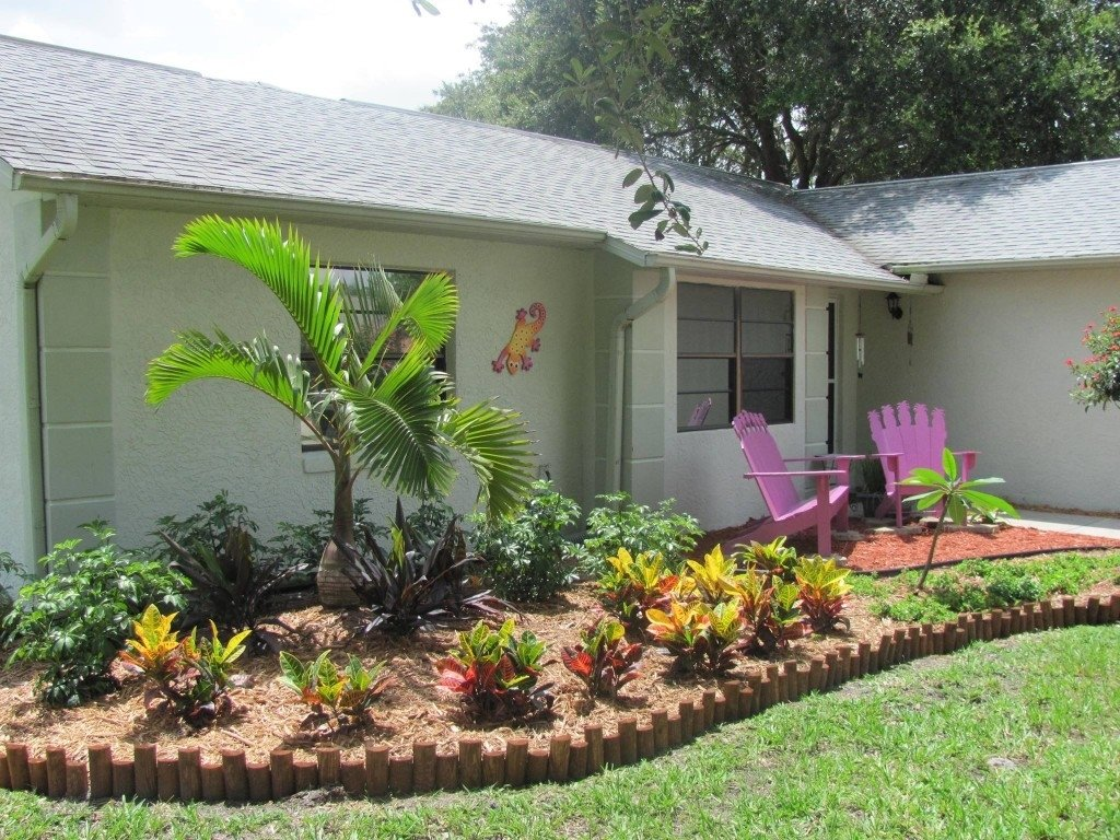 10 Attractive Tropical Landscaping Ideas For Front Yard tropical environment landscaping tropical landscaping especially 2020